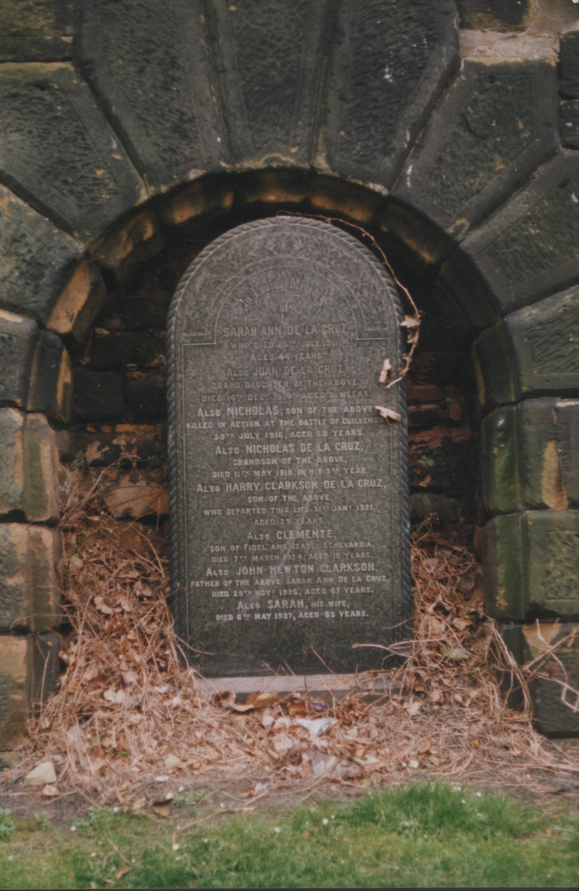 File:Gravestone St James.jpg - Wikimedia Commons