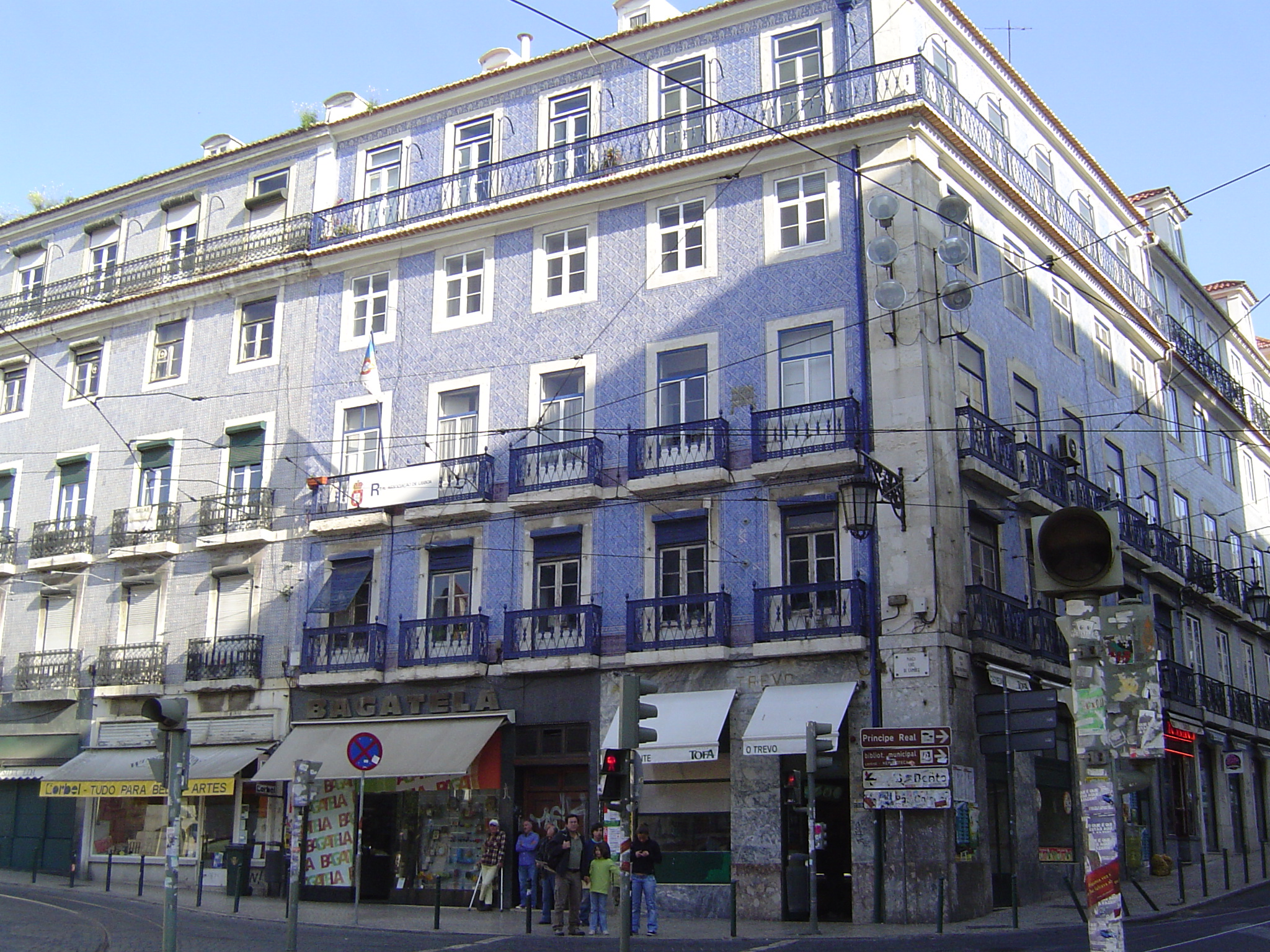 File Houses In Pra A Lu S De Cam Es Lisbon Apr