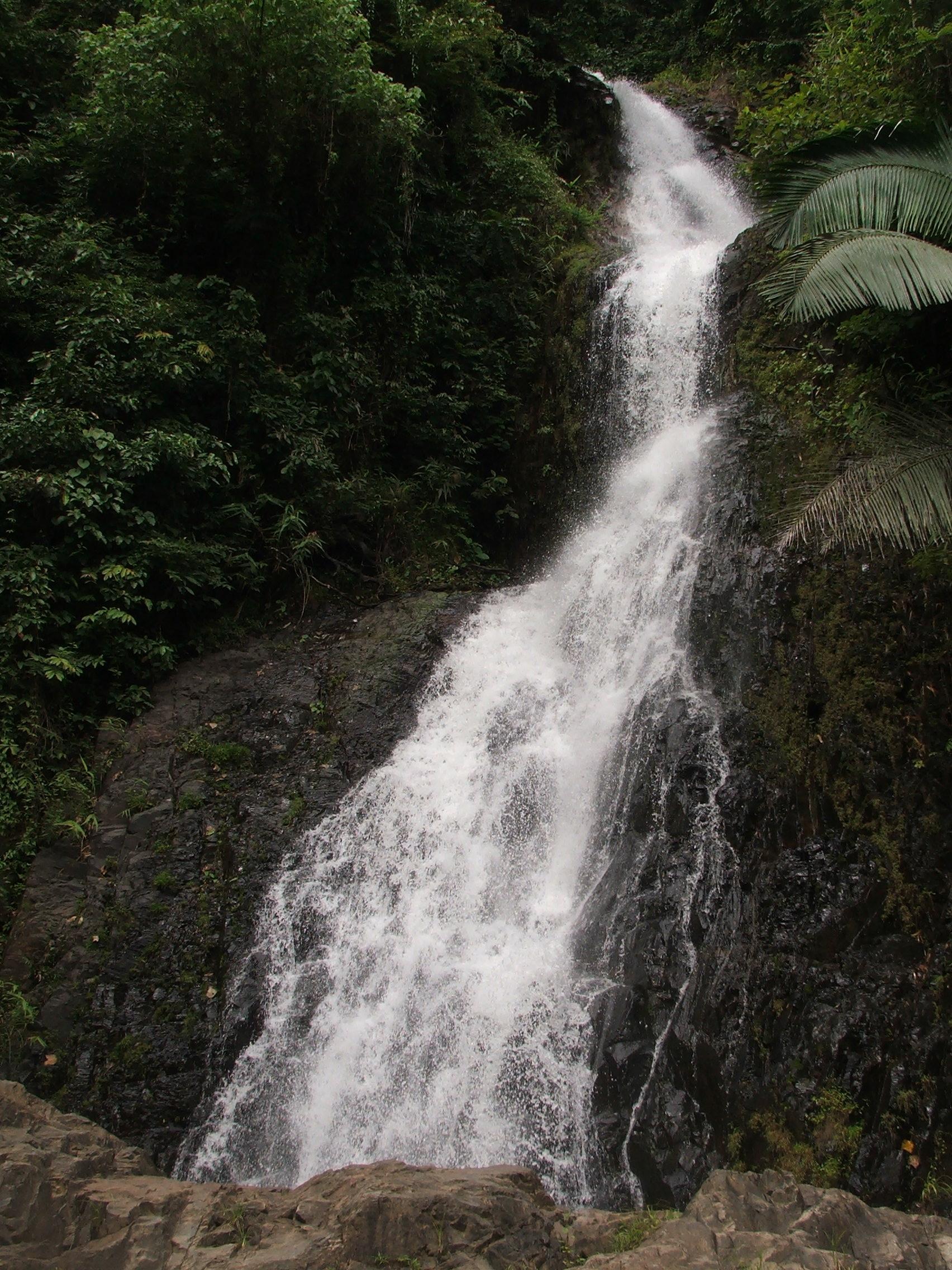 Huay Toh Watherfall - National park Panom Bencha