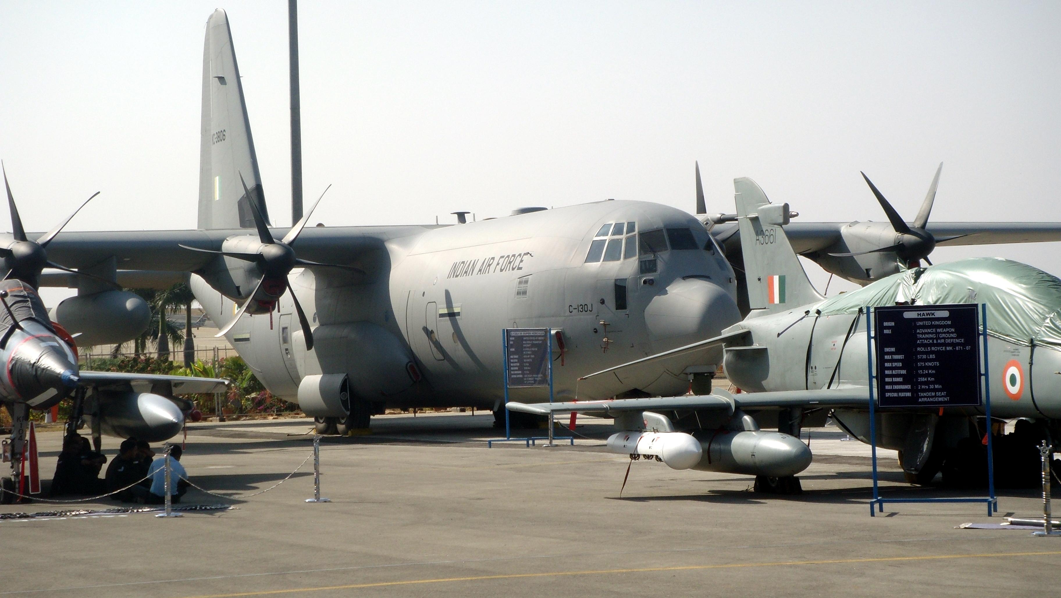 インド空軍の戦術輸送機「C-130J ...