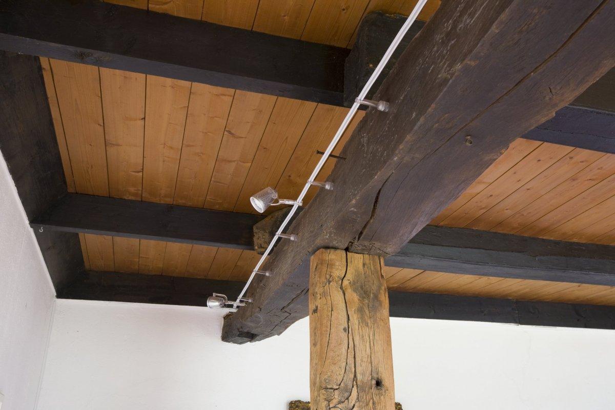 File interieur plafond in de woonkamer met spots ansen for Interieur woonkamer
