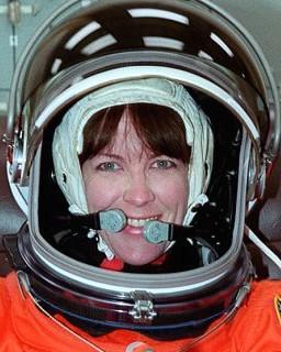 English: Astronaut Janet Kavandi at Dressing R...