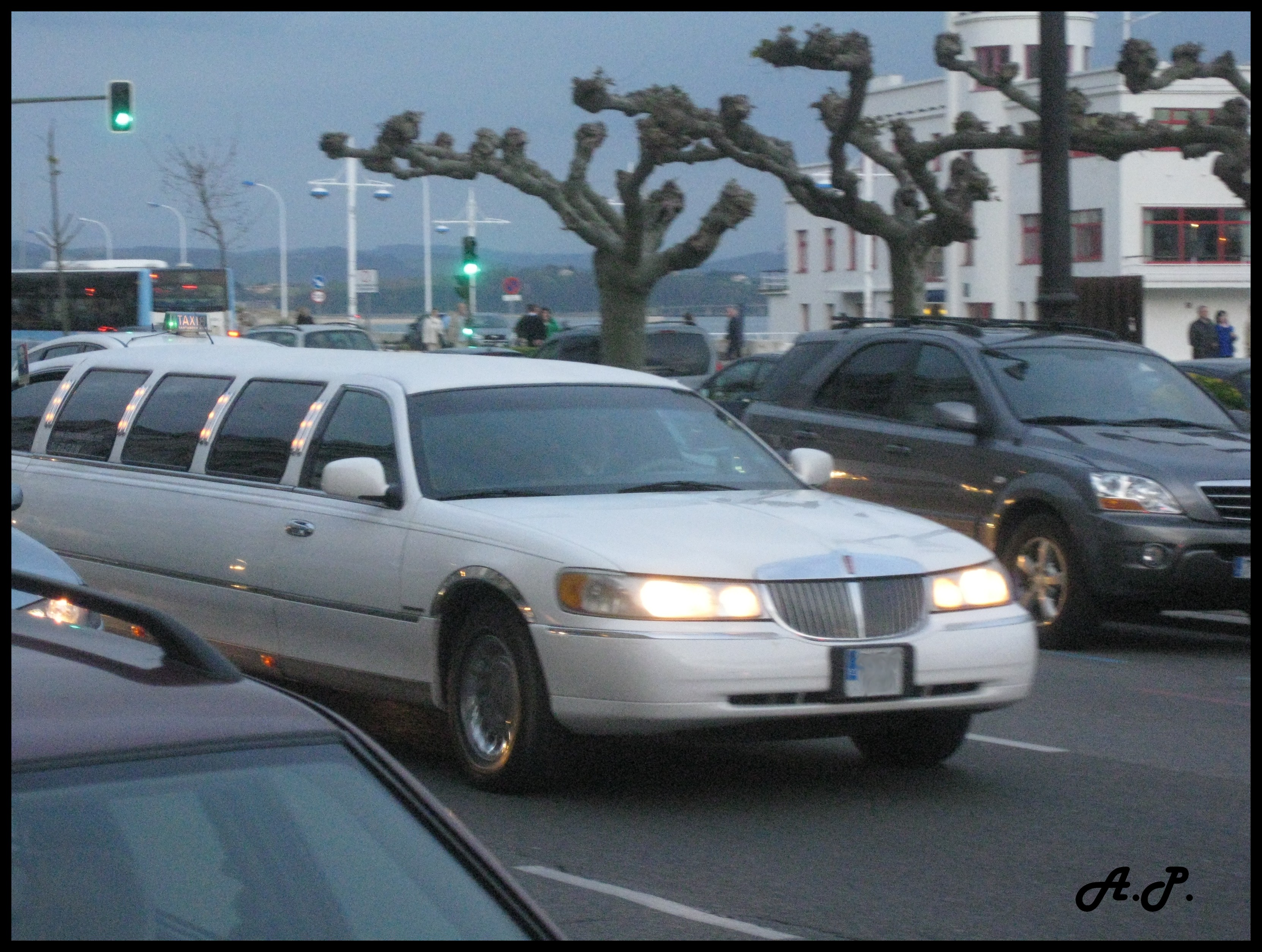 File Lincoln Town Car Stretched Limousine 3630208288 Jpg