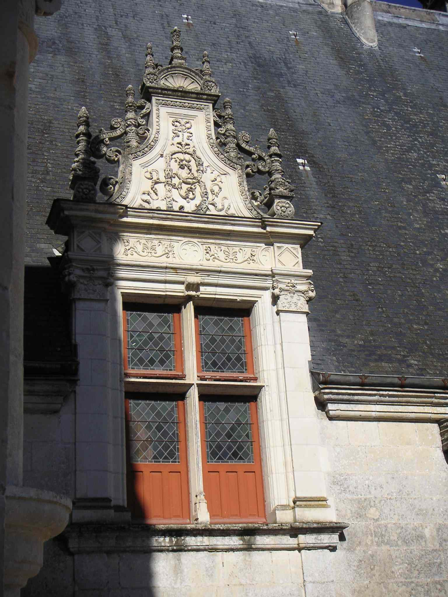 Fichier:Lucarne B Azay-le-rideau.JPG — Wikipédia