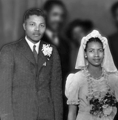 Mandela and Evelyn in July 1944, at Walter and Albertina Sisulu's wedding party in the Bantu Men's Social Centre. Mandela e Evelyn 1944.jpg
