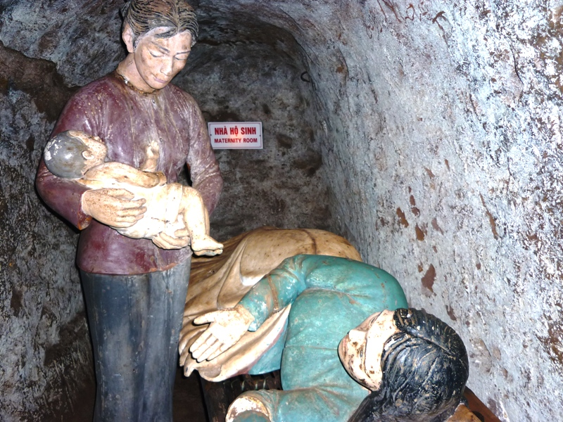 Kết quả hình ảnh cho Vinh Moc tunnels