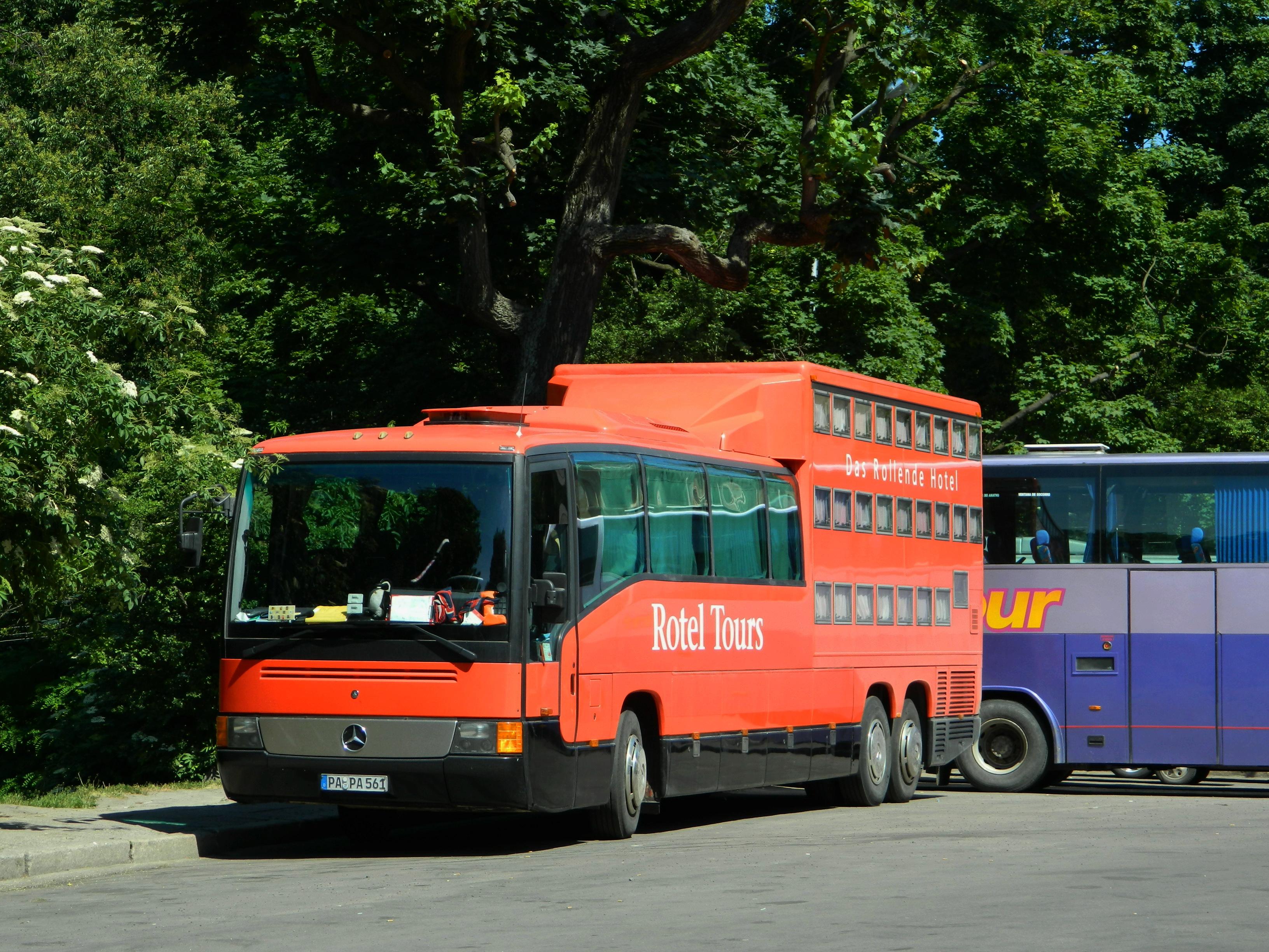 File mercedes benz o404 rotel for Mercedes benz tour bus