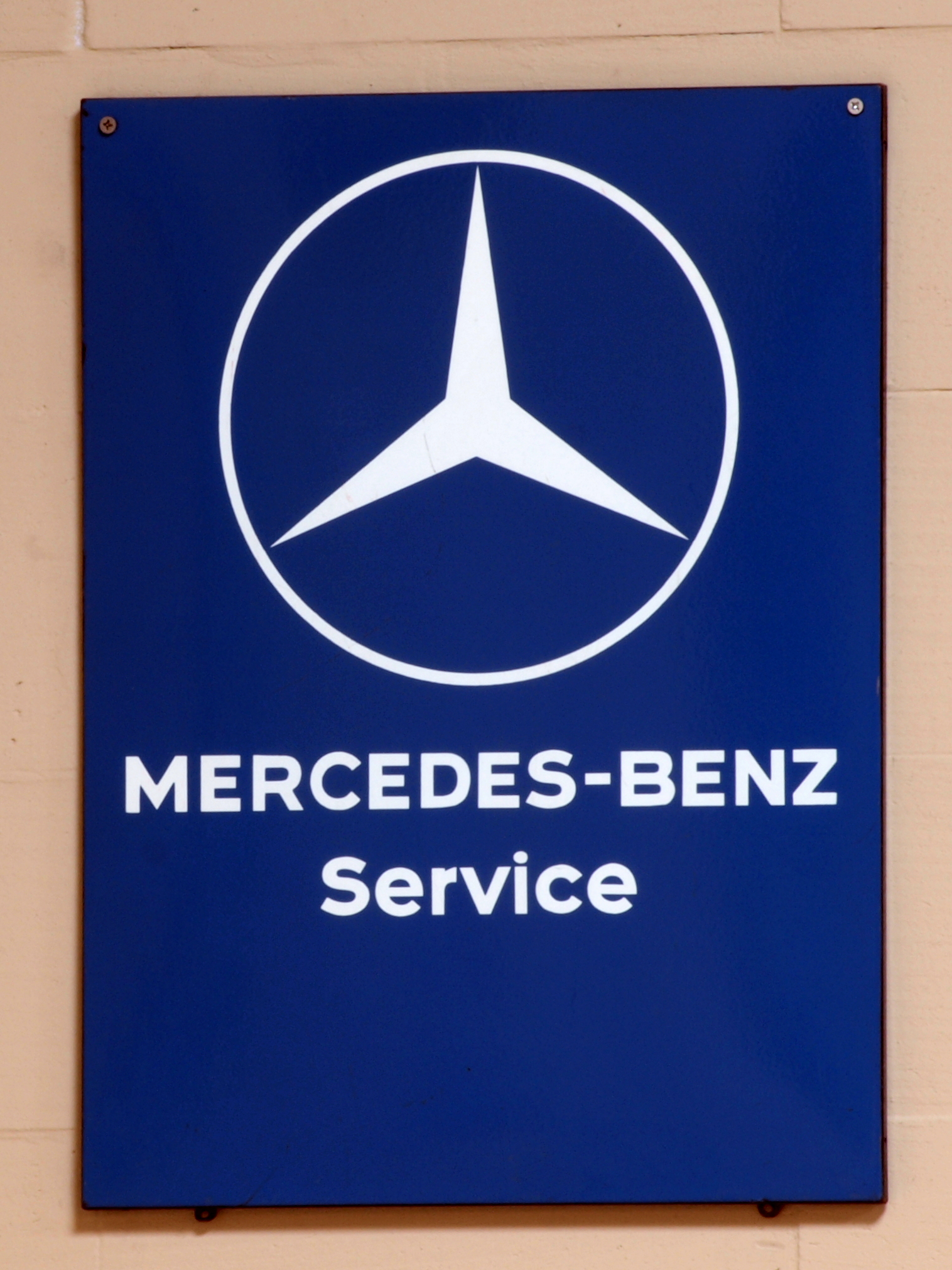 File mercedes benz service enamel advert sign at the den for Mercedes benz sign in