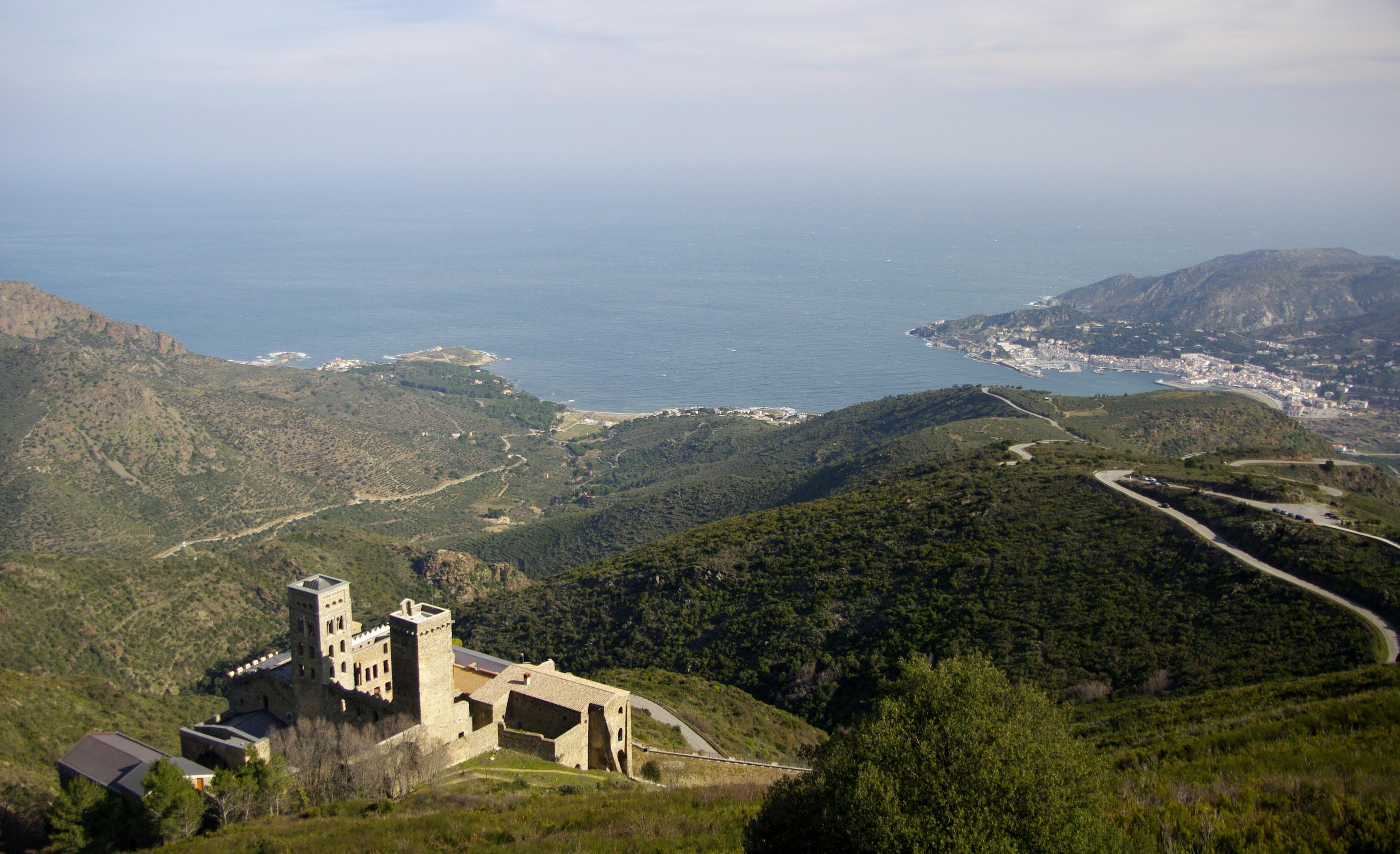 Archivo:Monestir de Sant Pere de Rodes (El Port de la Selva) - 15.jpg - Wikip...