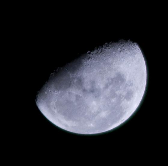 File:Moon 25 03 2011 (5558208884).jpg