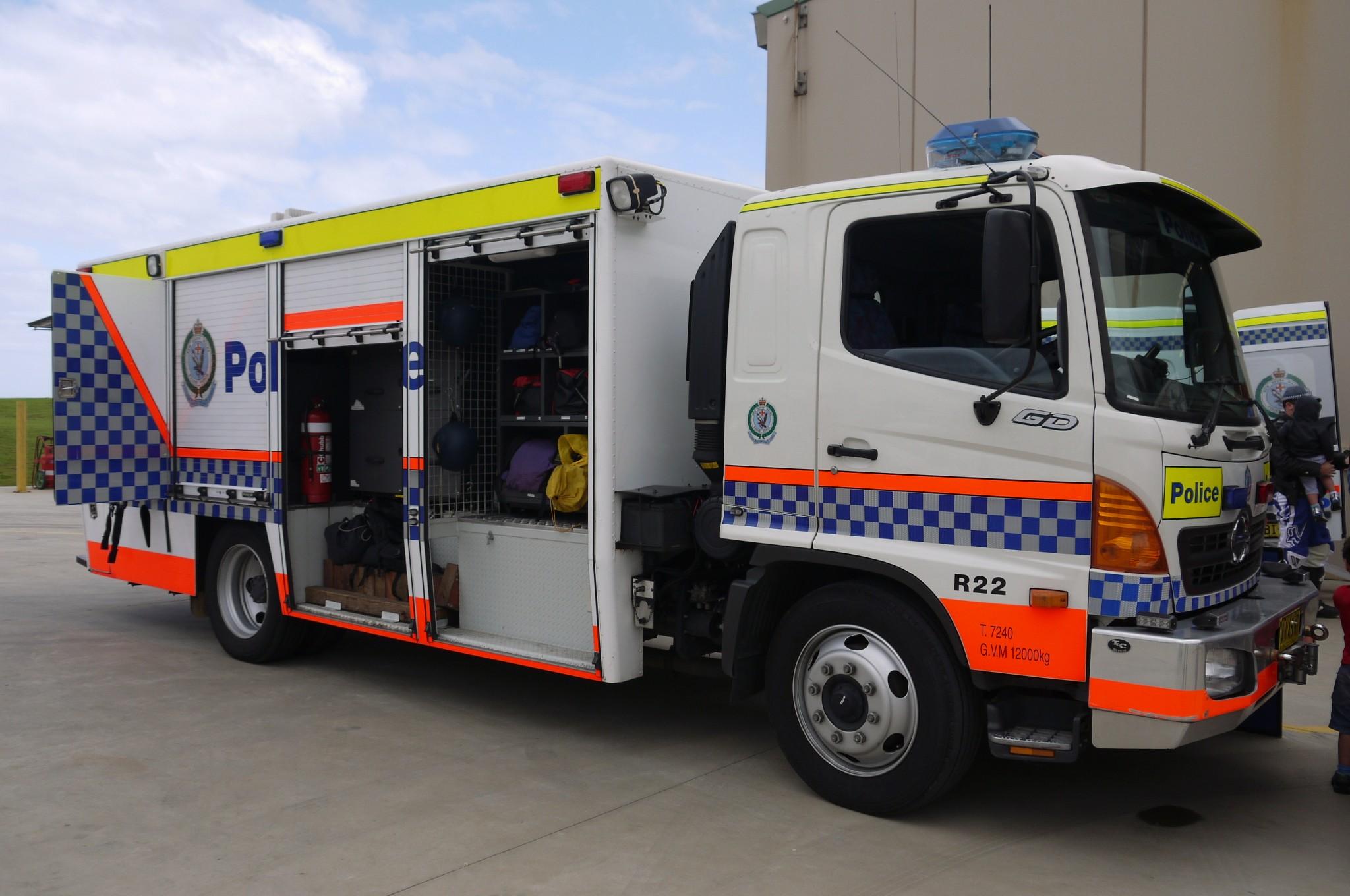 File:NSWPF Poilce Rescue and Bomb Disposal Unit Hino Rescue
