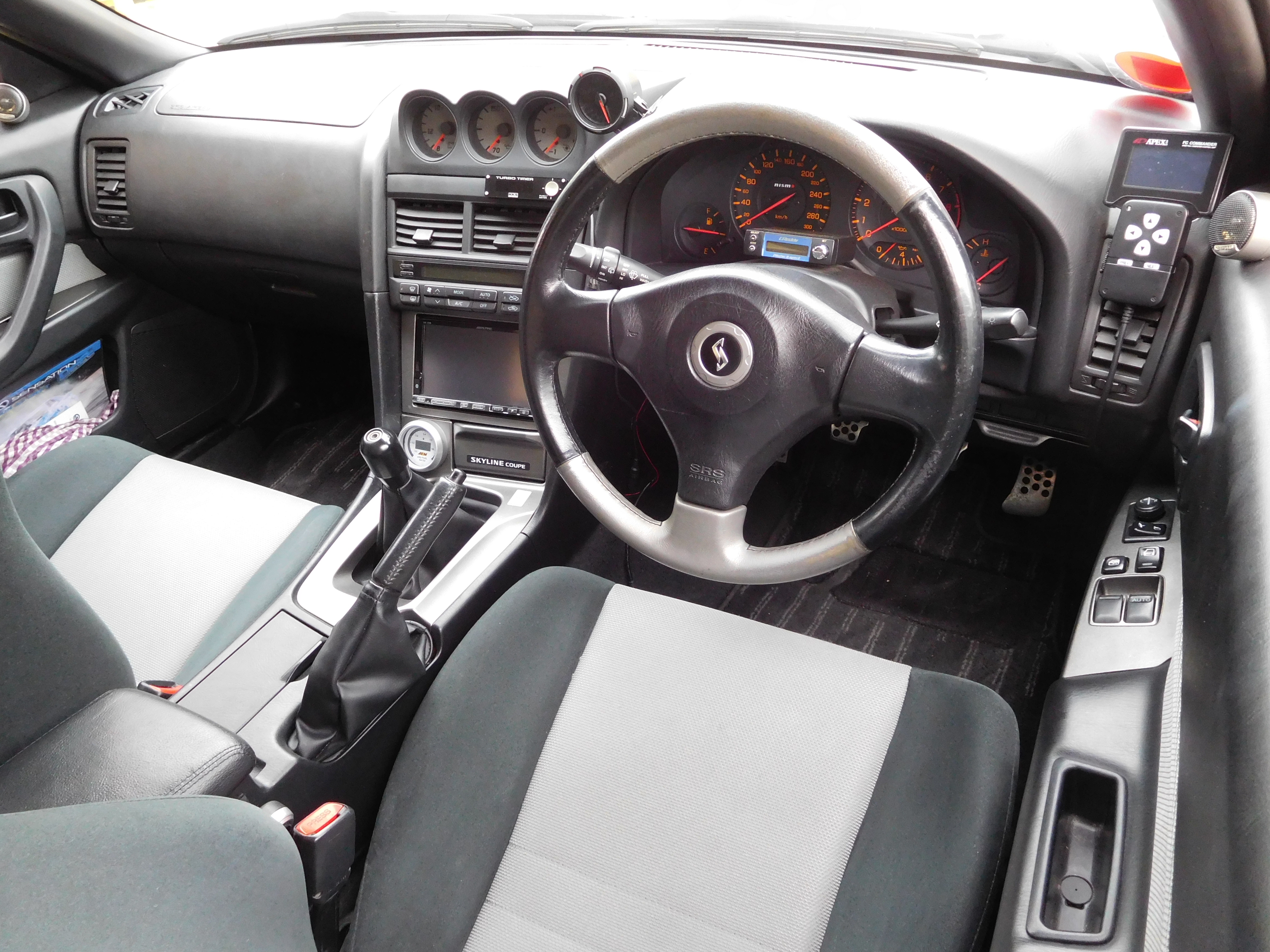 File Nissan Skyline R34 Interior Jpg Wikimedia Commons