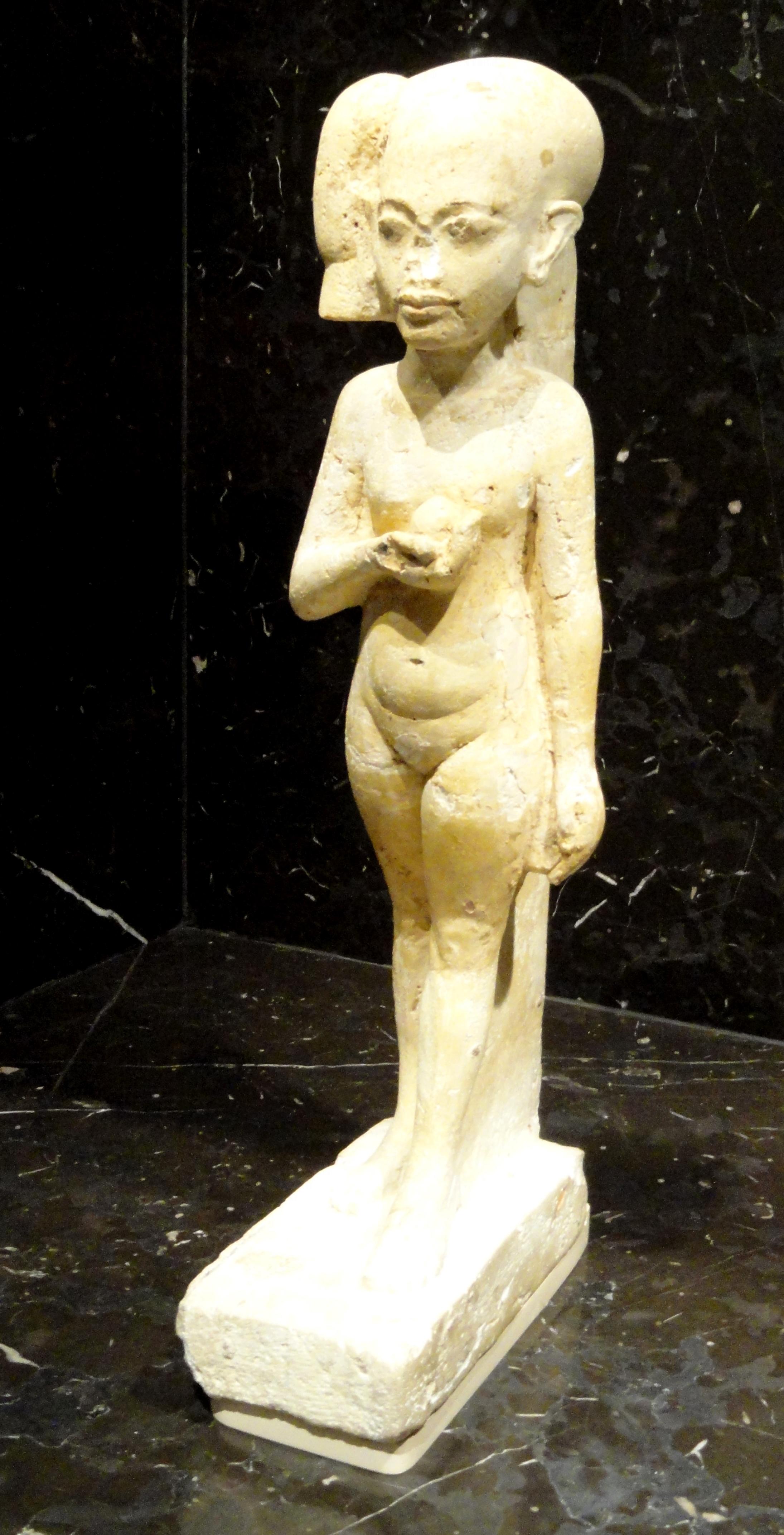 File:Princess, Tell el-Amarna, New Kingdom, 18th Dynasty, c