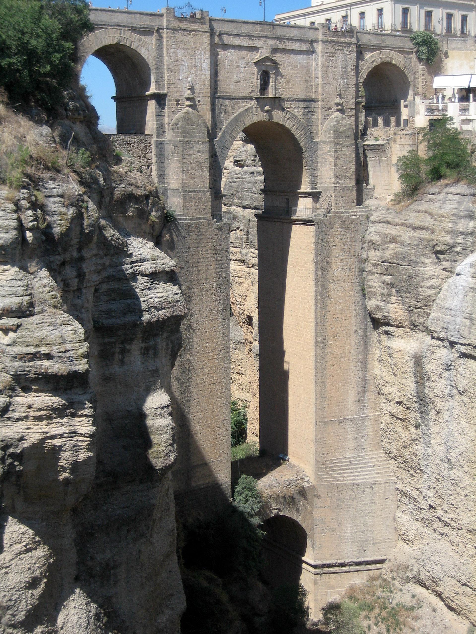 Arhitektura koja spaja ljude - Mostovi Punte_Nuevo_Bridge,_Ronda_-_Spain