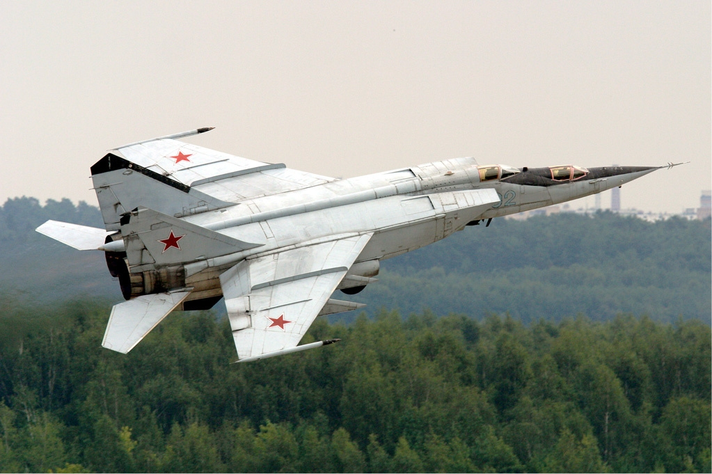 http://upload.wikimedia.org/wikipedia/commons/a/a4/Russian_Air_Force_MiG-25.jpg