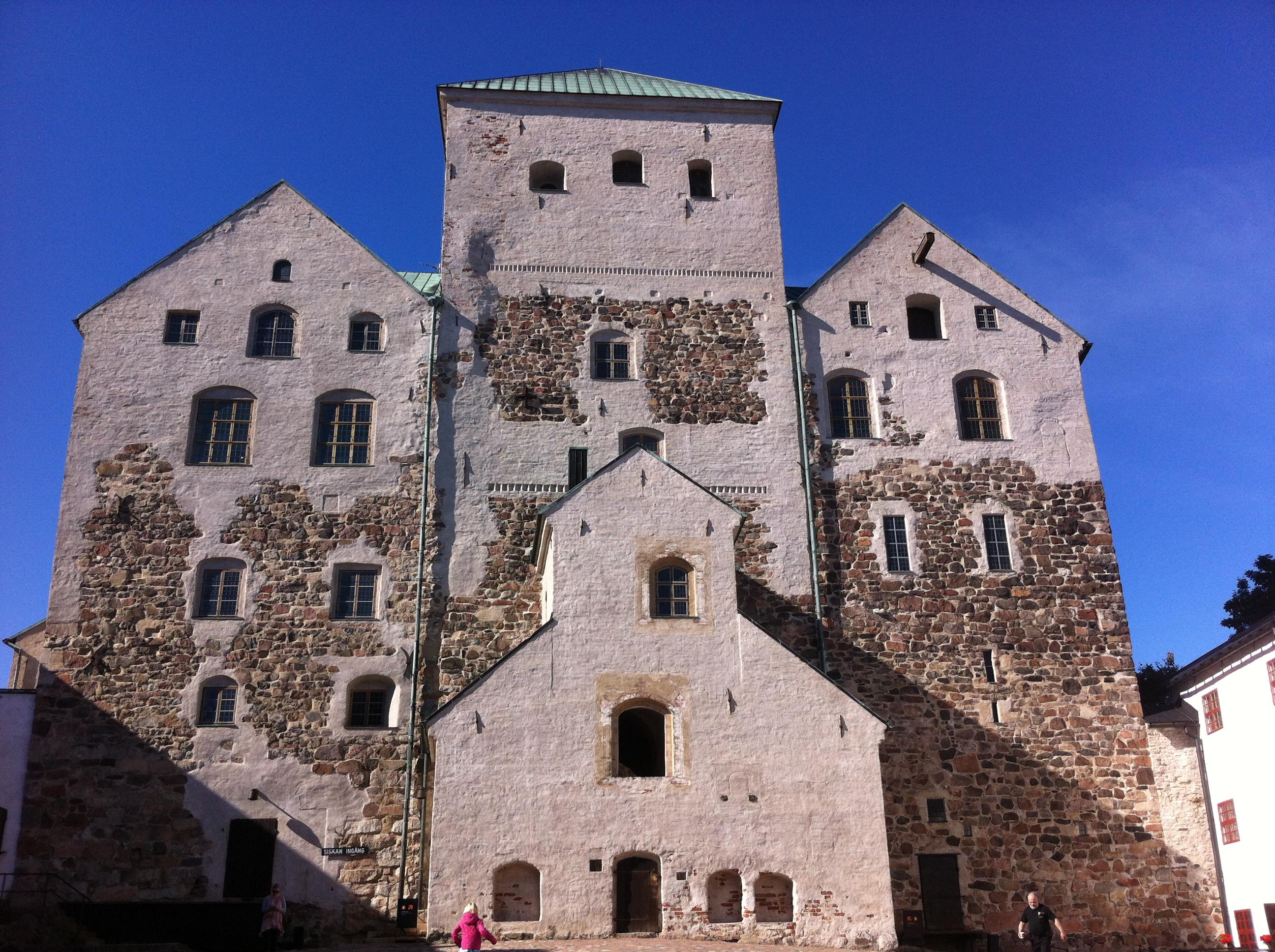 Turku Castle on 7th September 2013, front.jpg