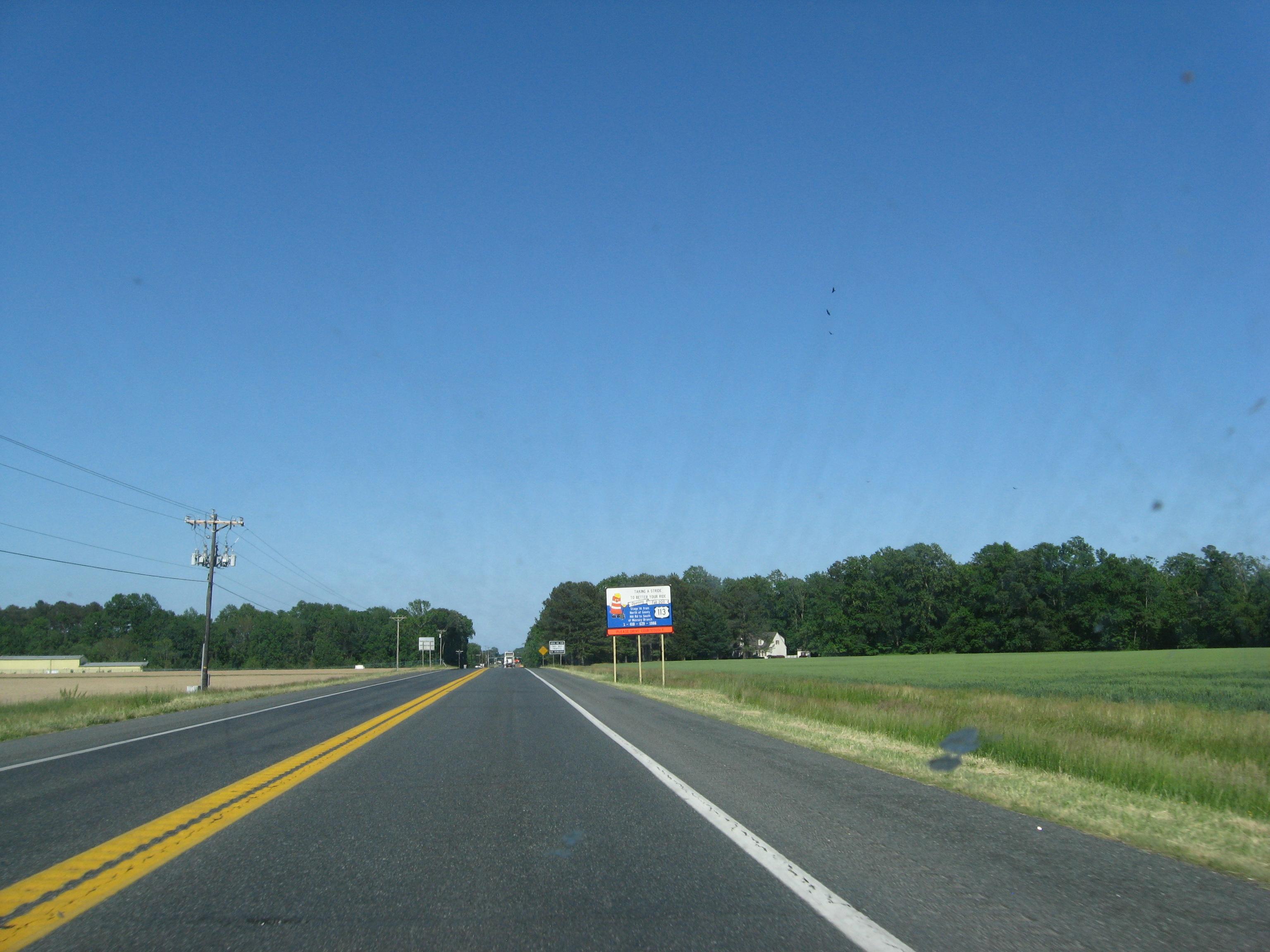 Two-lane_U.S._Route_113_in_Newark.JPG