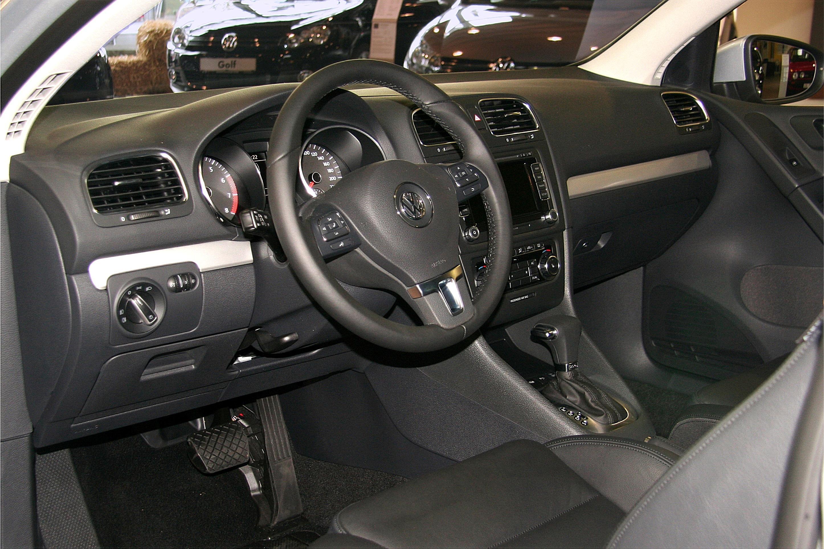 file vw golf vi tsi am 2008 10 11 cockpit jpg. Black Bedroom Furniture Sets. Home Design Ideas