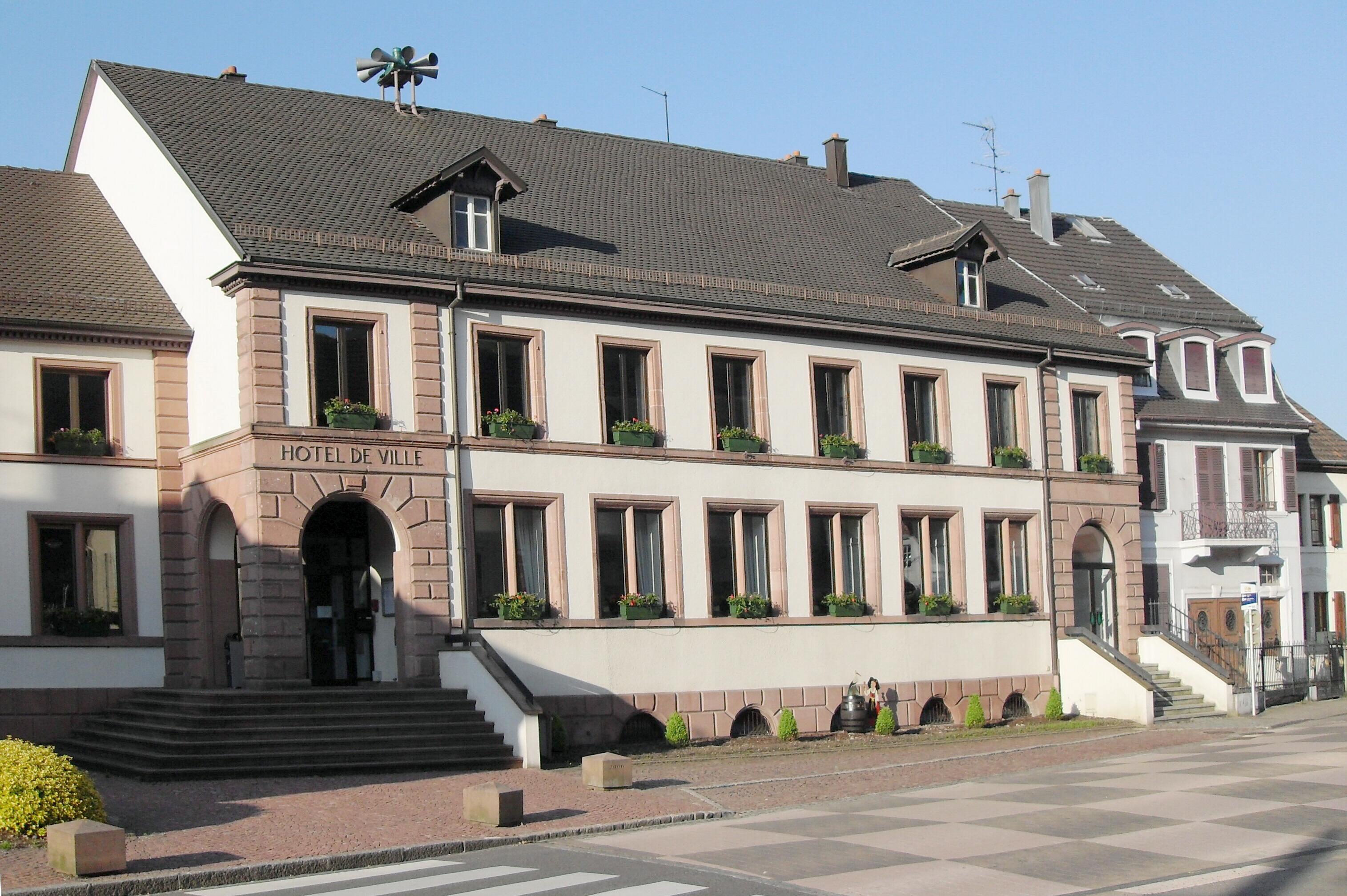 File vieux thann h tel de wikimedia commons for Hotel de ville