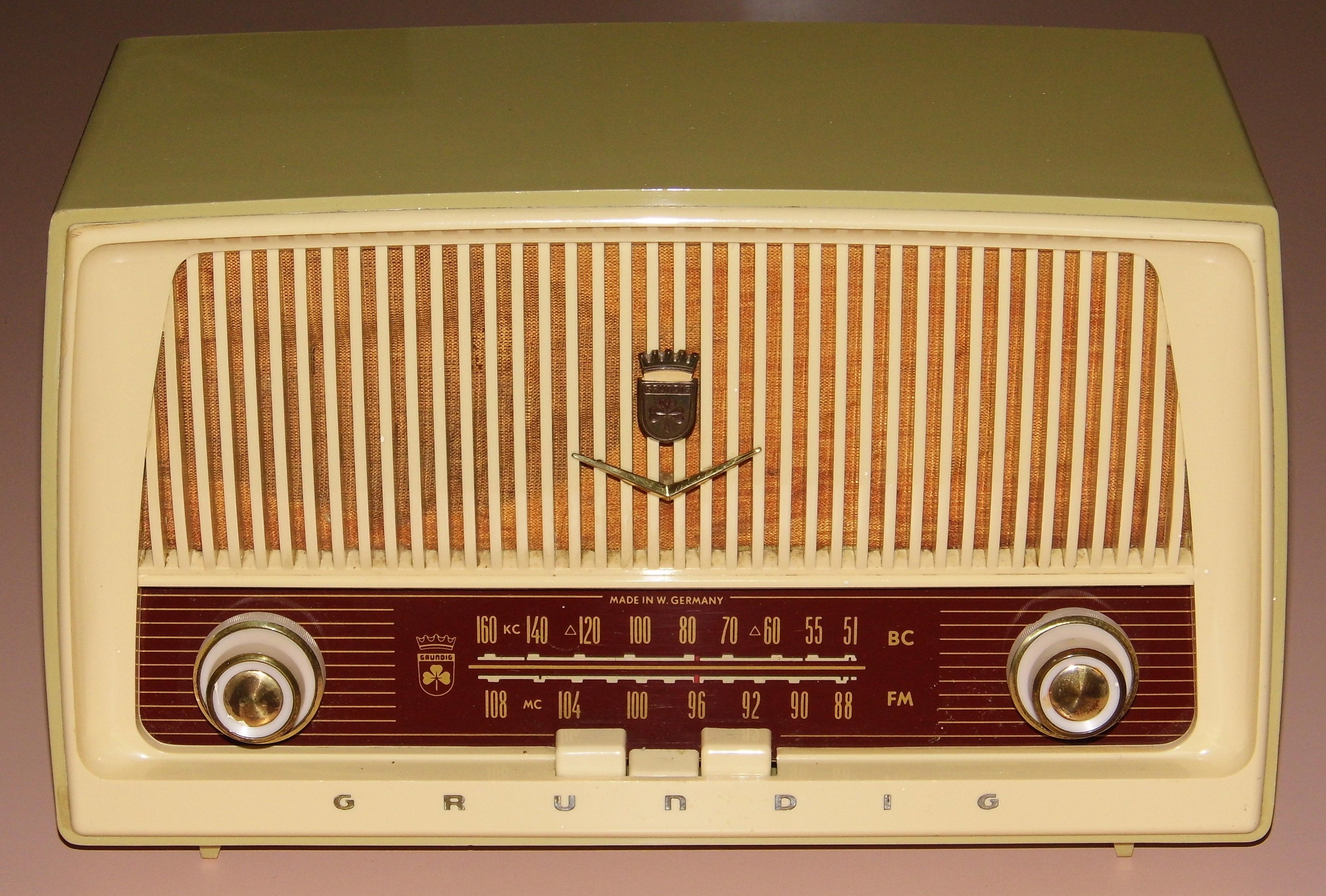 Grundig Vintage Radio 46
