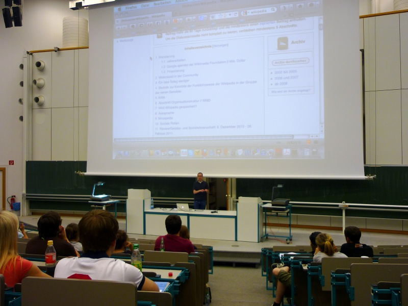 Datei:Wikipedia-Schulprojekt UniMainz Lehrerworkshop.jpg