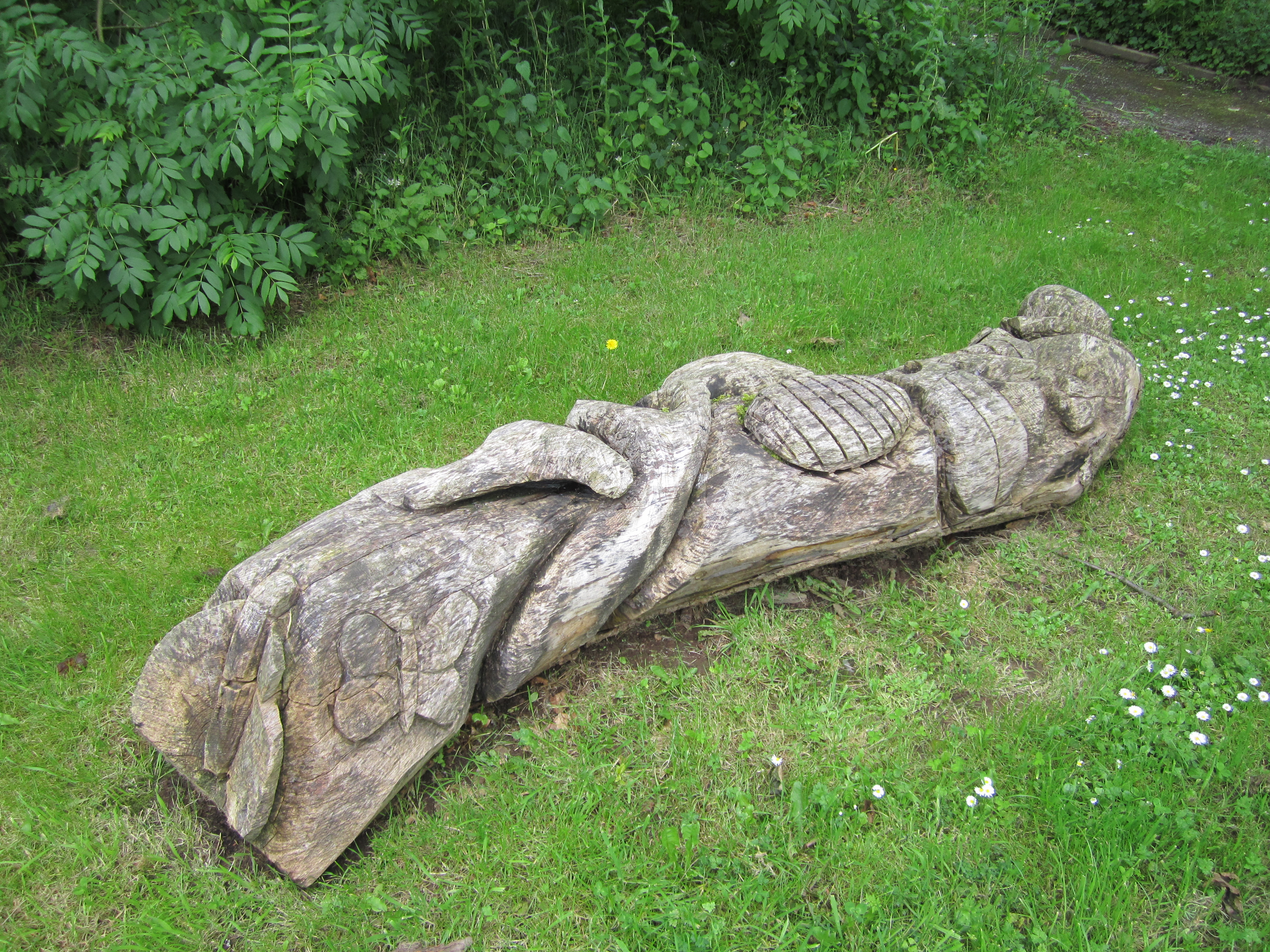 File wooden log carving rivacre valley country park g
