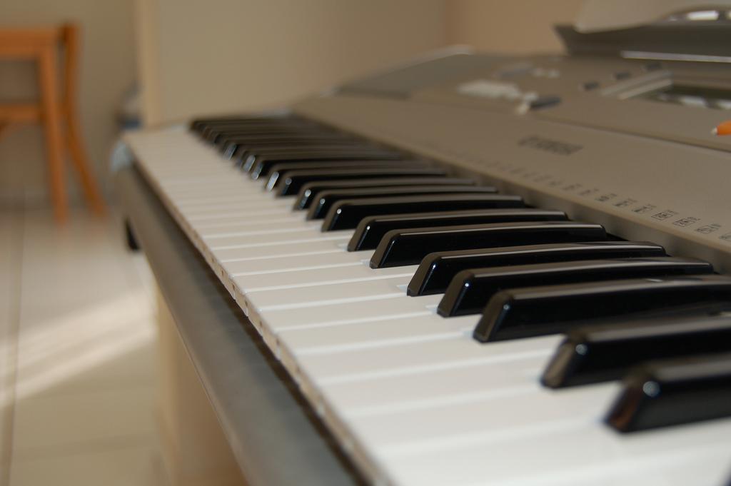 Used Yamaha Keyboard For Sale In Delhi