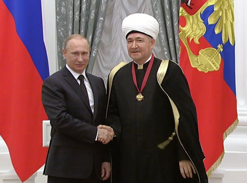 Главный муфтий РФ призвал Кыргызстан и Таджикистан