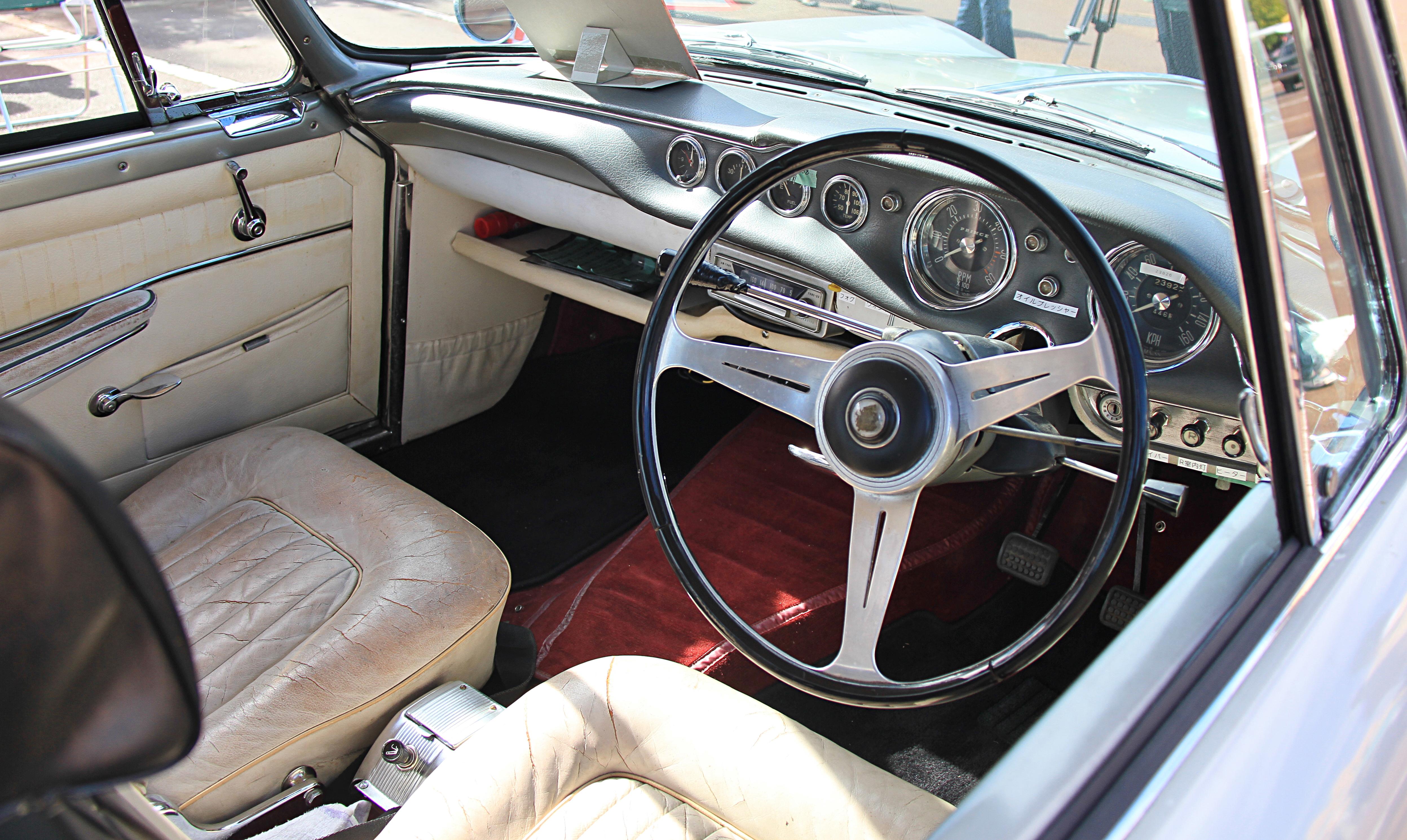 1962_Prince_Skyline_Sport_Coupe_interior