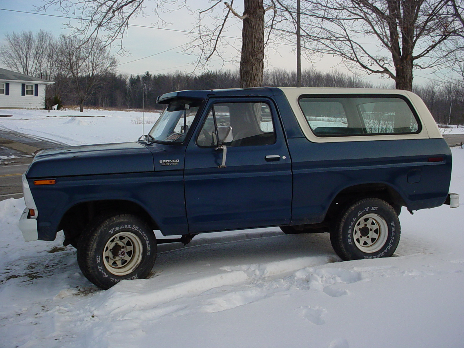 File1978 ford bronco blue white top jpg