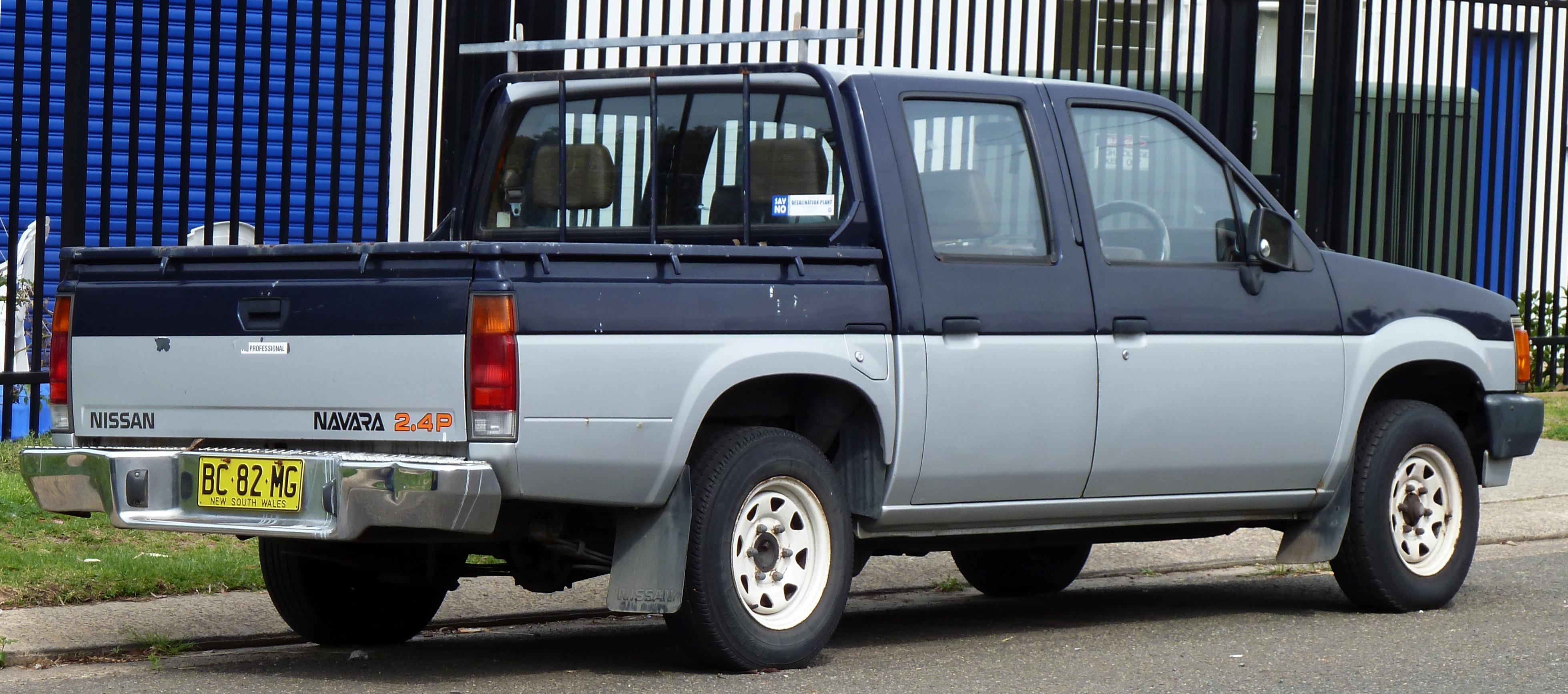 File:1989 Nissan Navara (D21) 4 Door Utility (2010 09