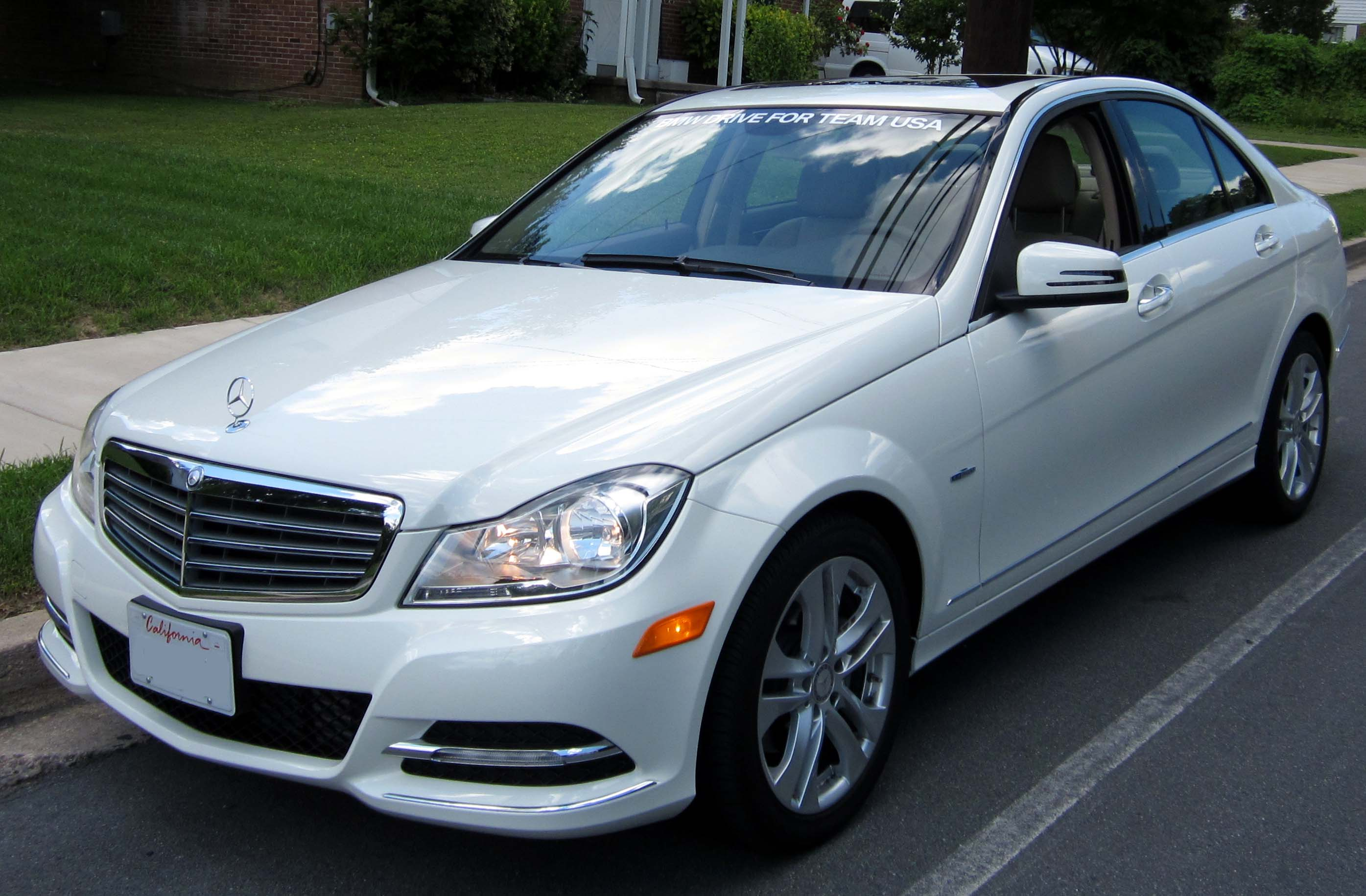 File:2012 Mercedes-Benz C250 -- 06-06-2012 1.JPG - Wikimedia Commons