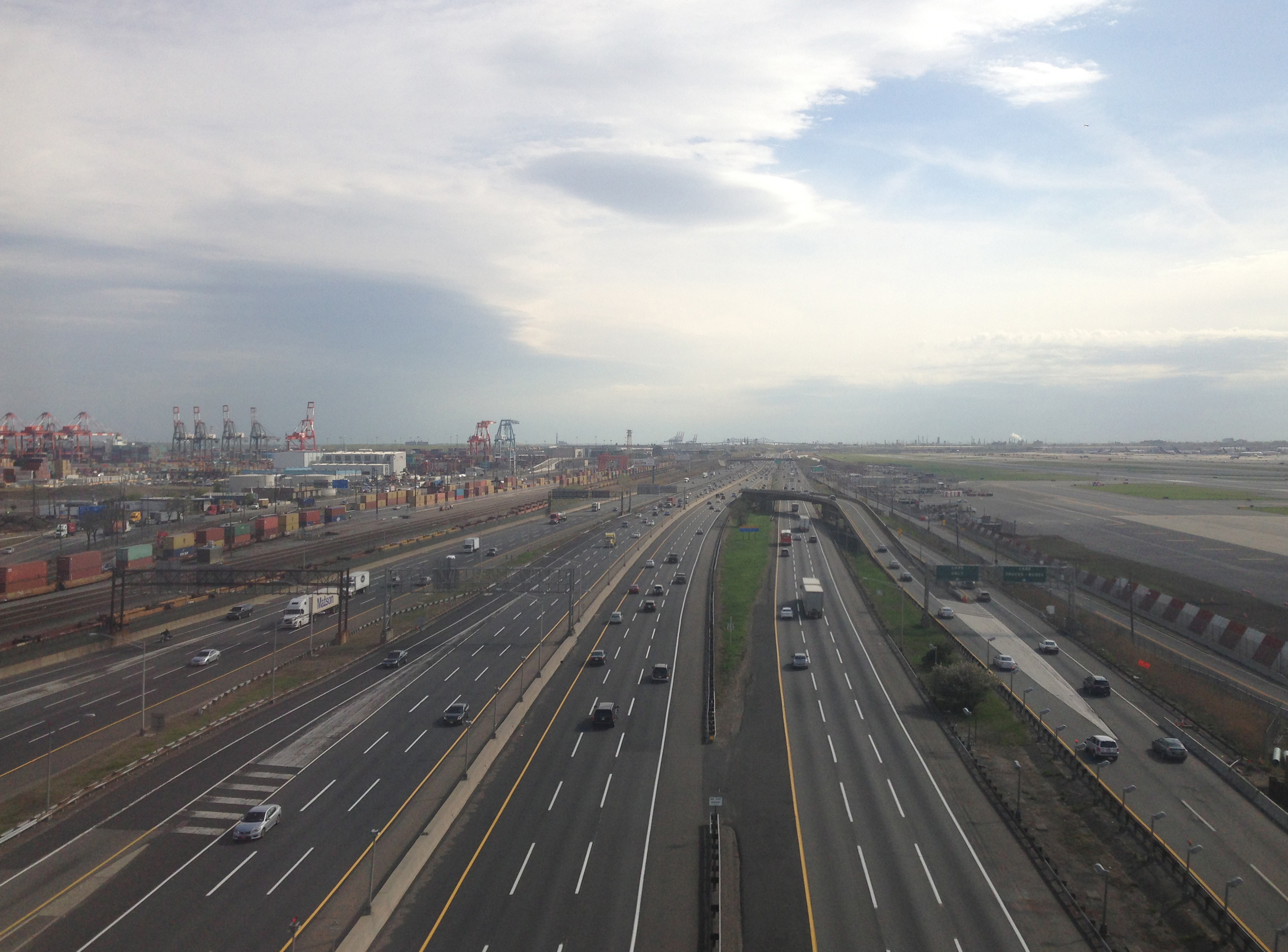 File 2014 05 07 16 27 05 View Of The New Jersey Turnpike