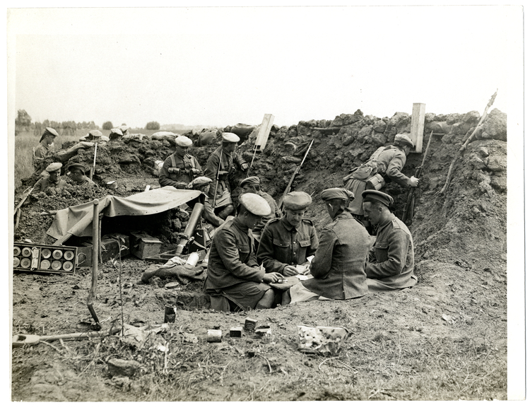 File:A Bomb Gun Section. An easy time in the trenches St ...