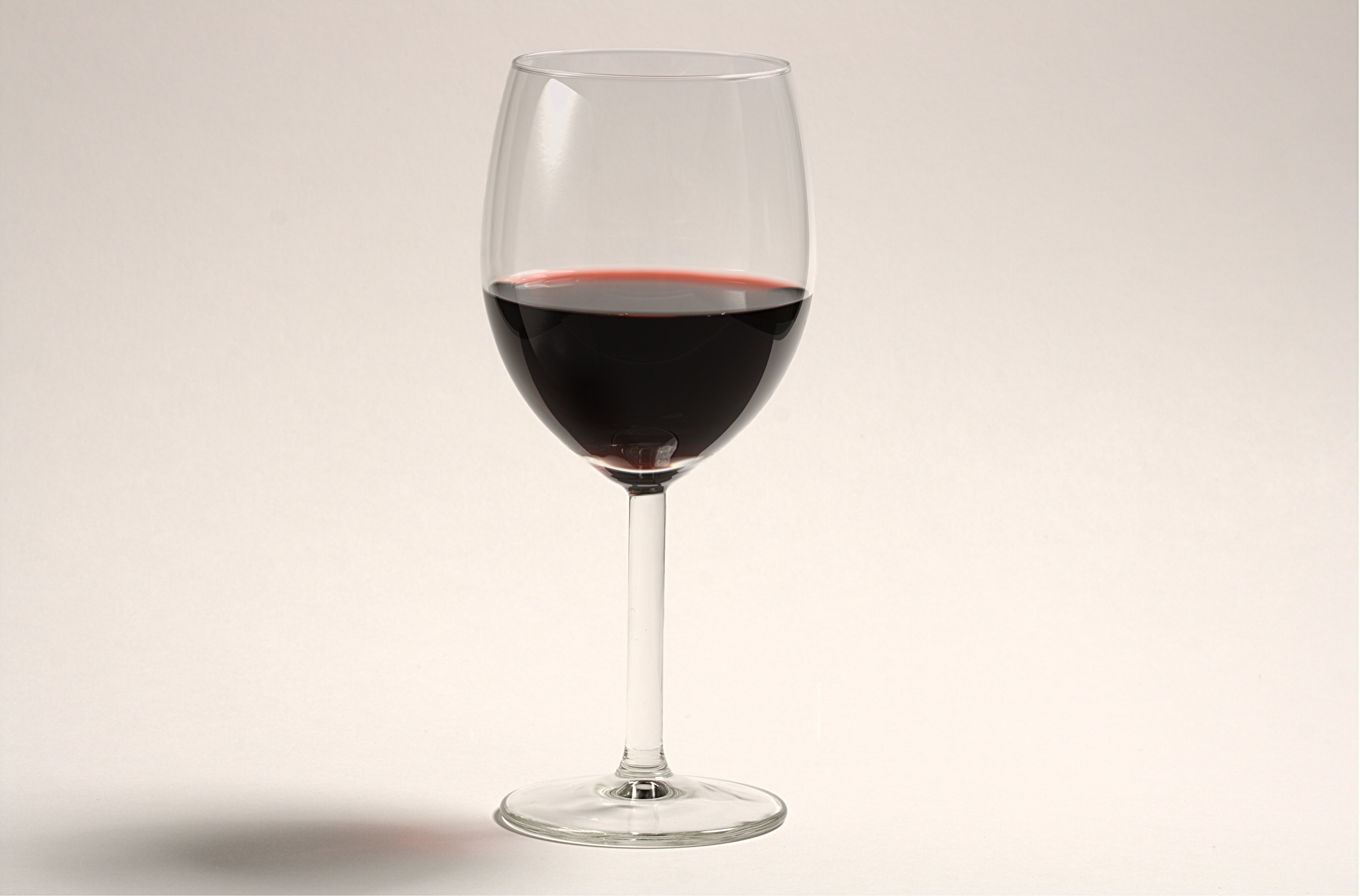 File:A glass of red wine.jpg