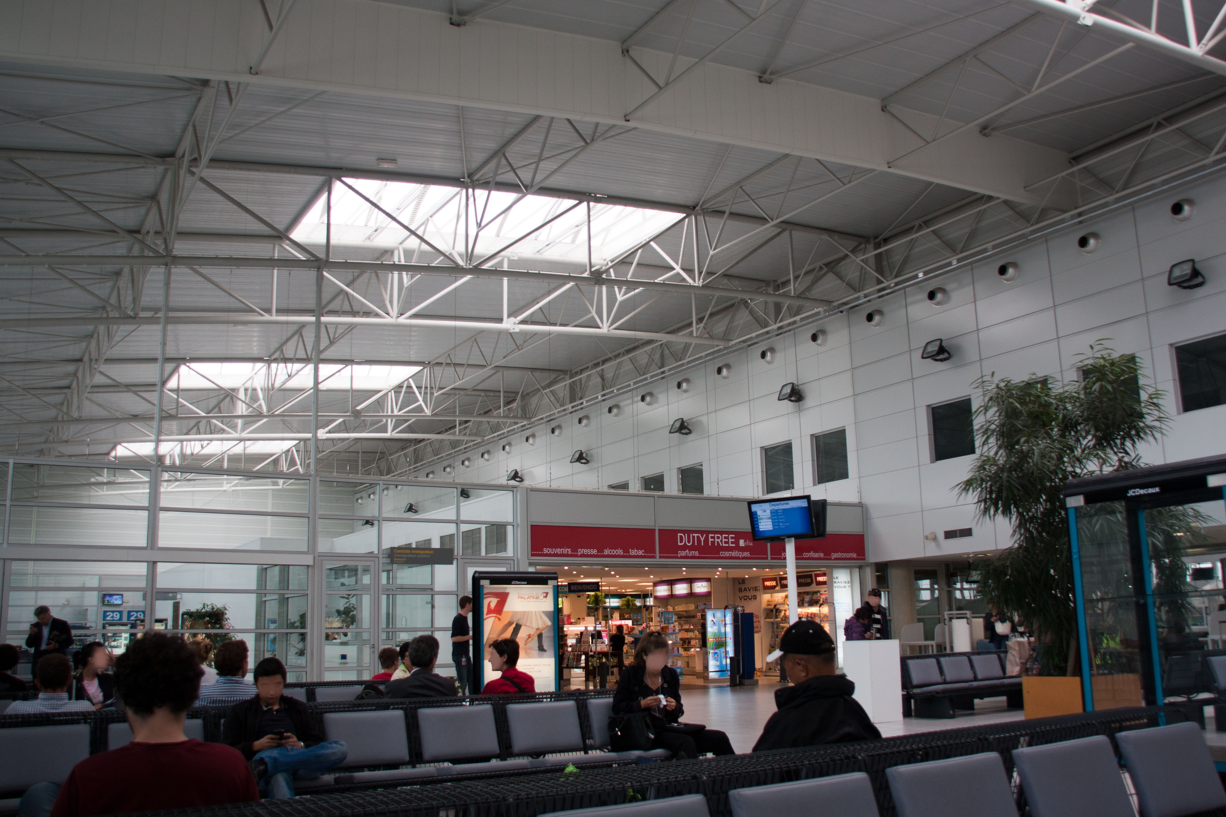 file aeroport tarbes lourdes img 9965 jpg wikimedia commons. Black Bedroom Furniture Sets. Home Design Ideas