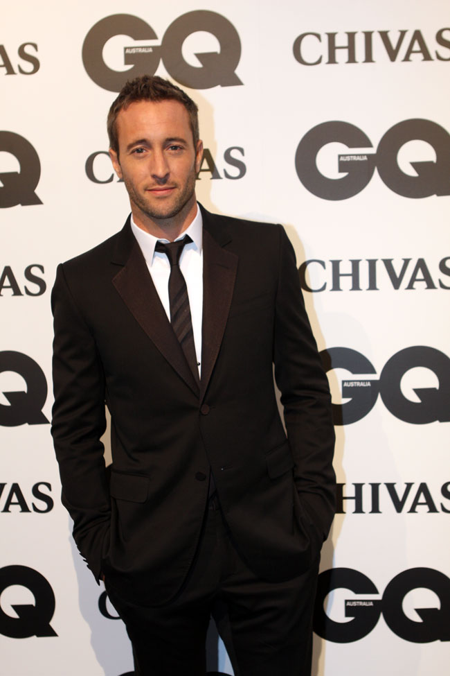 The 41-year old son of father (?) and mother(?) Alex O'Loughlin in 2018 photo. Alex O'Loughlin earned a 0.11 million dollar salary - leaving the net worth at 7 million in 2018