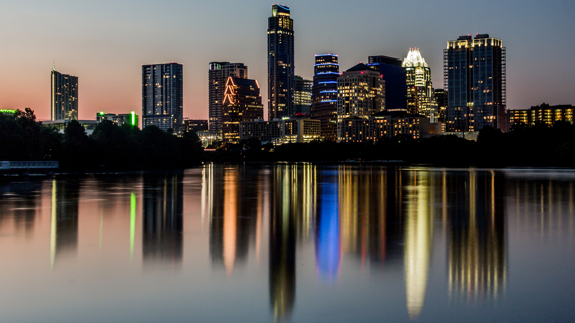 """Austin Evening"" by User:Argash. Licensed under CC BY-SA 3.0 via Commons - https://commons.wikimedia.org/wiki/File:Austin_Evening.jpg#/media/File:Austin_Evening.jpg"