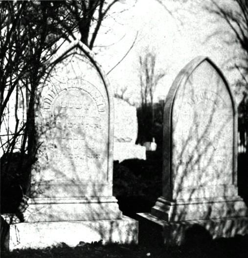 File:Beaumont William gravesite.jpg