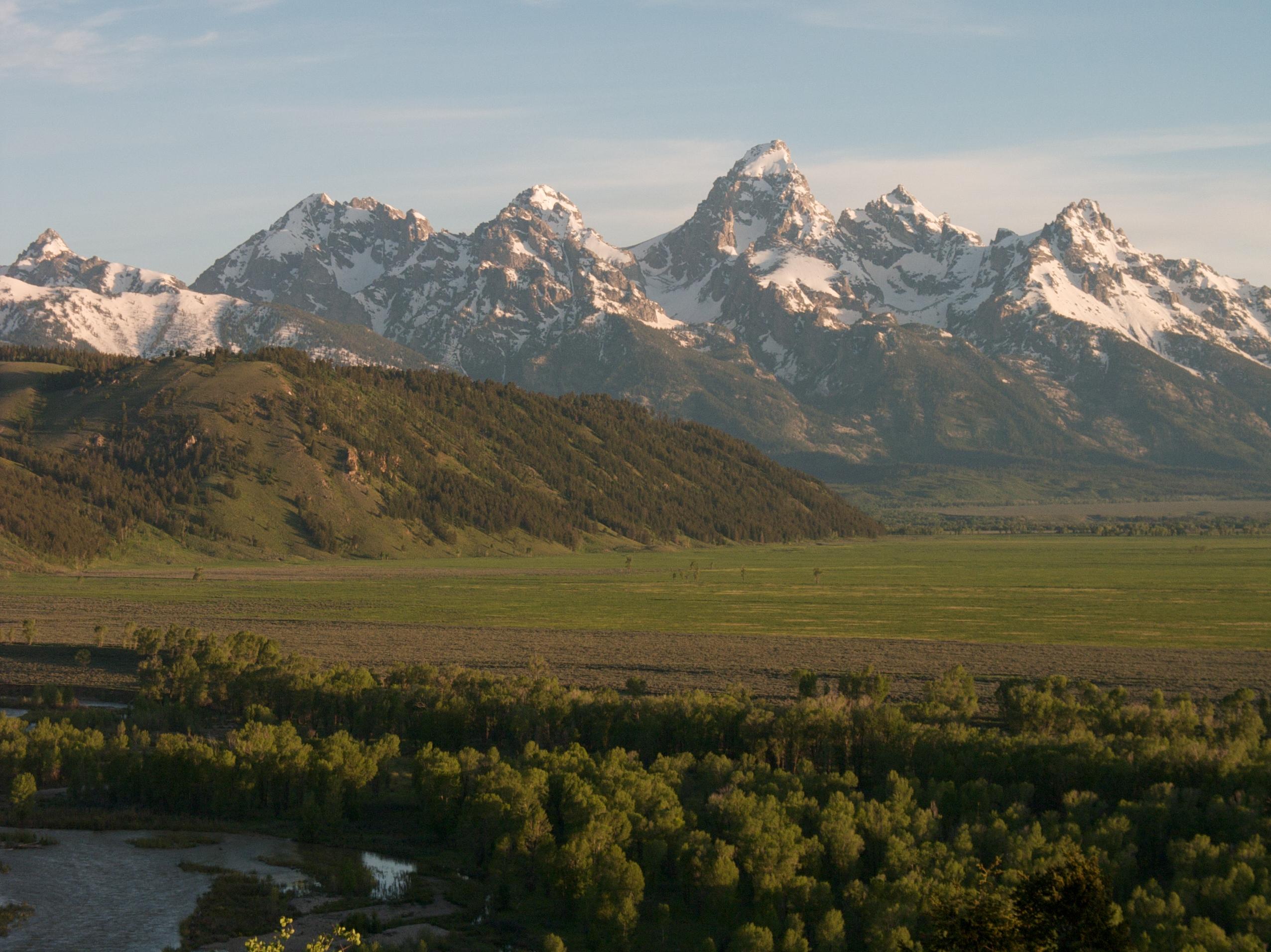 file blacktail butte and teton mountains  wyoming - panoramio jpg