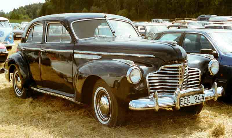 File buick sedan wikimedia commons for 1941 buick 4 door sedan