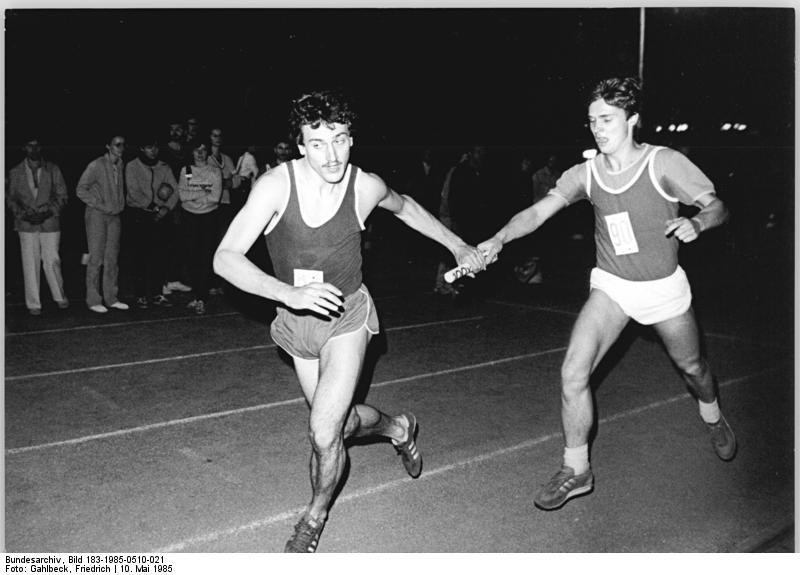 Erstmals liefen Leipziger Sportstudenten 1985 eine 100-x-1.000-Meter-Staffel in unter 5 Stunden.