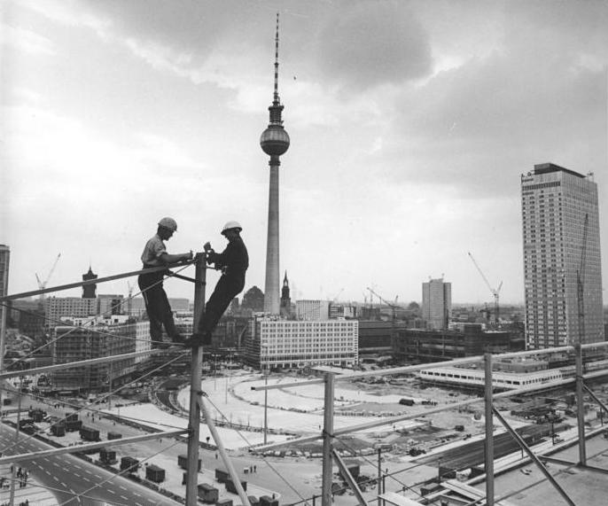 Dateibundesarchiv Bild 183 H0813 0026 001 Berlin Fernsehturm Bau