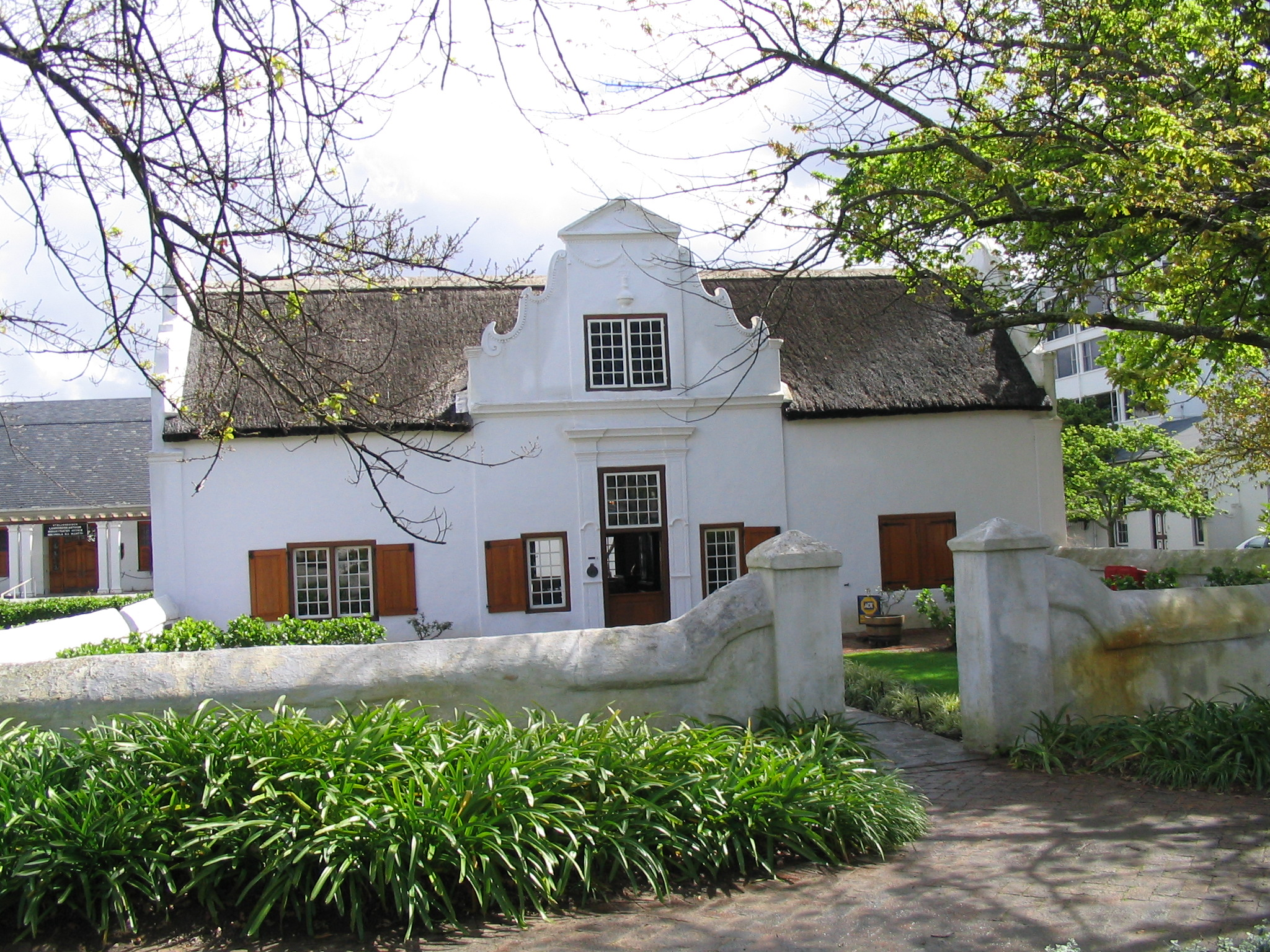 Cape dutch architecture wikiwand for Cape dutch house plans