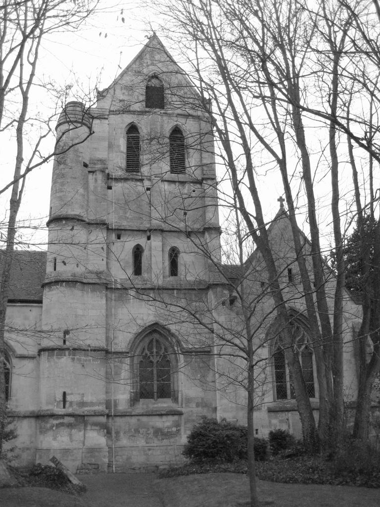 Caen eglise saintouen clocher.jpg