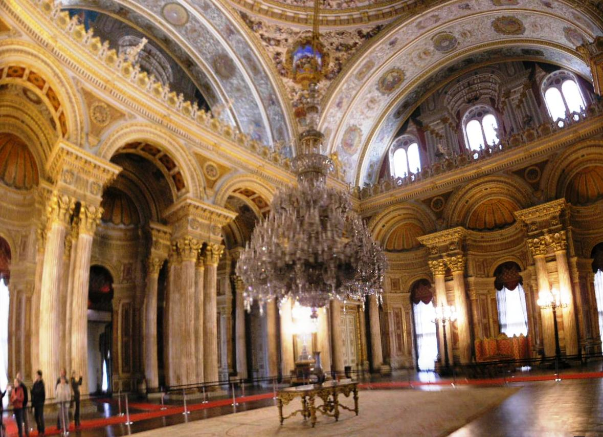 File:Ceremonial hall Dolmabahce March 2008 pano4.jpg ...