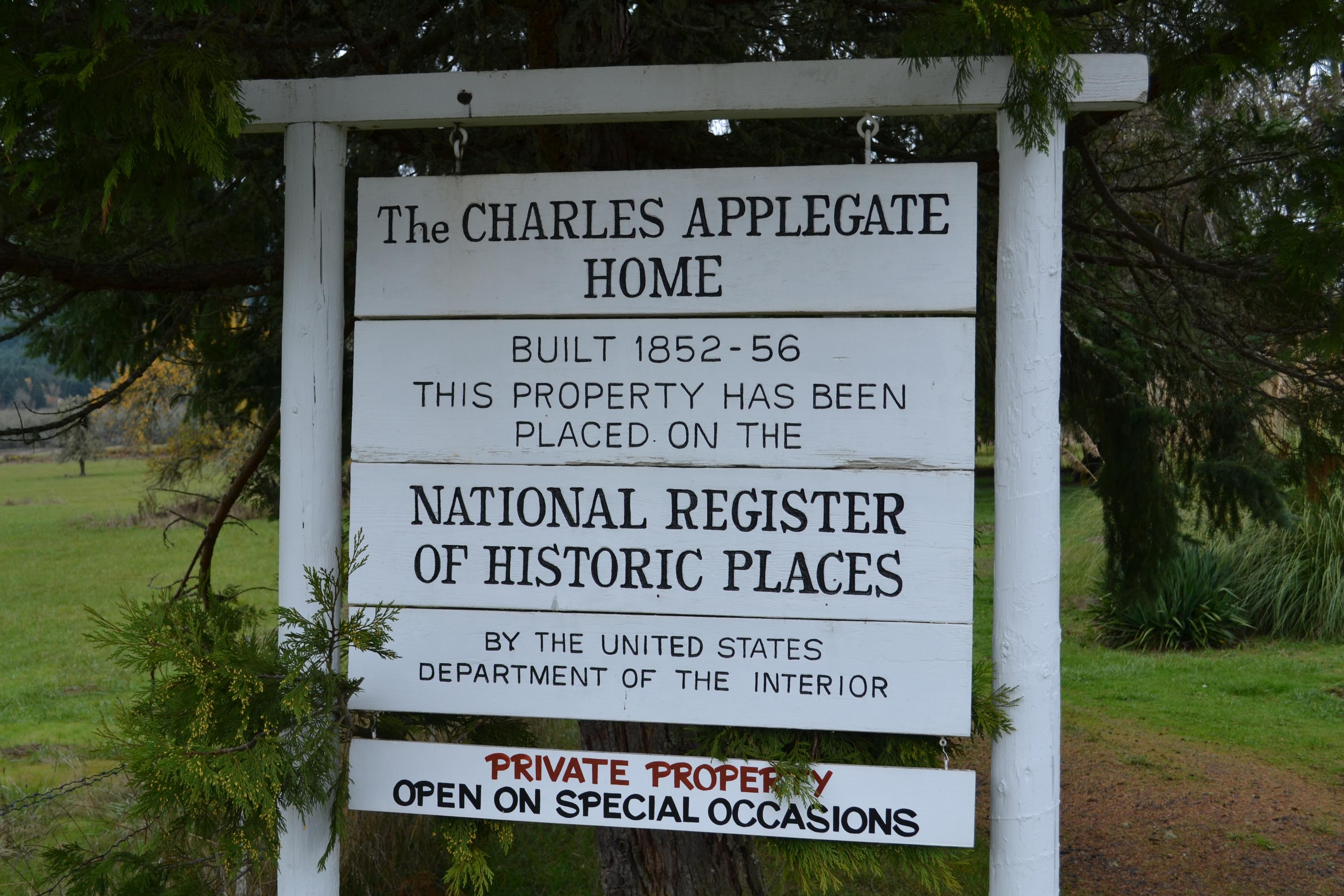 File charles applegate home yoncalla oregon jpg for Applegate house