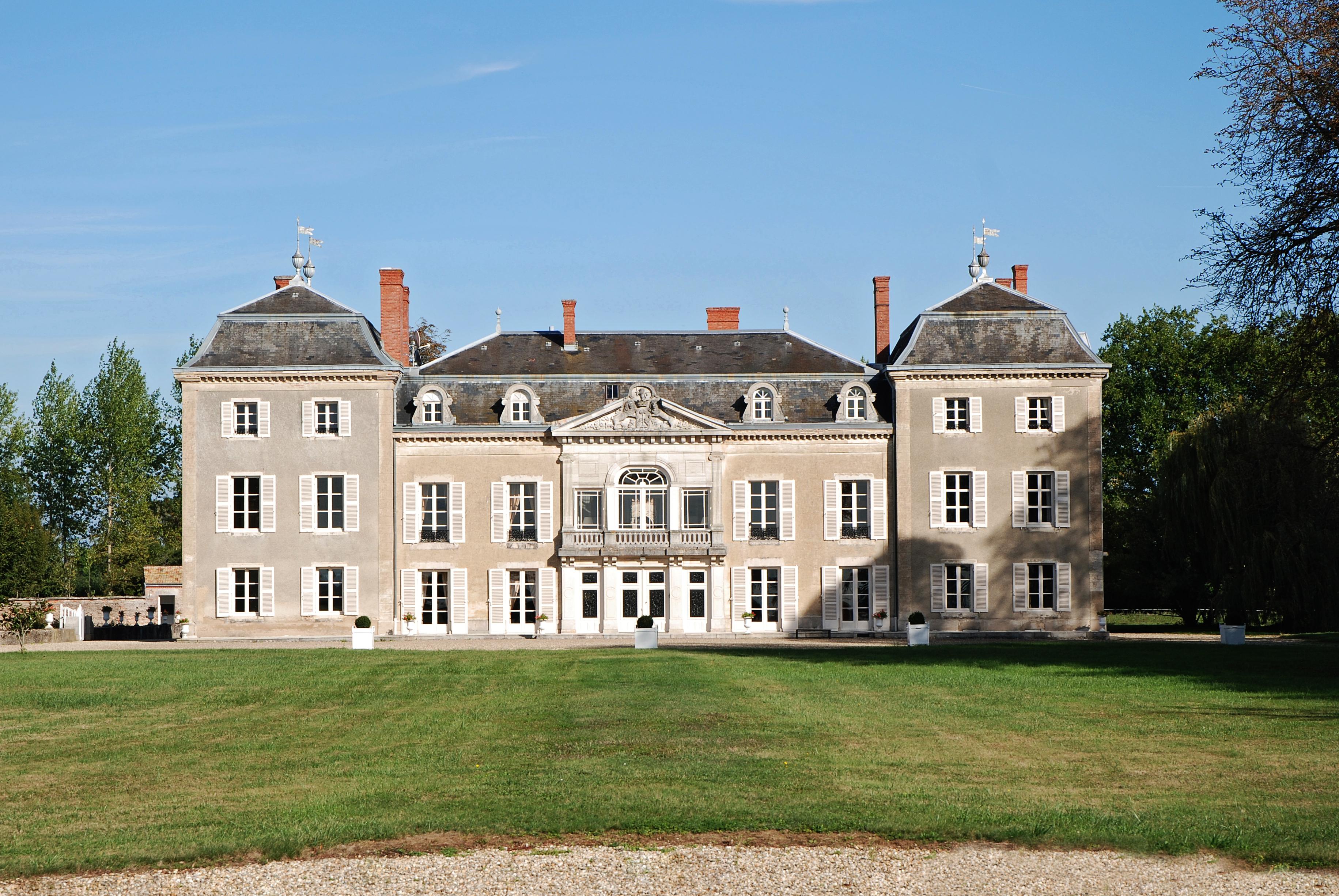 File chateau de wikimedia commons - De truchis de varennes ...