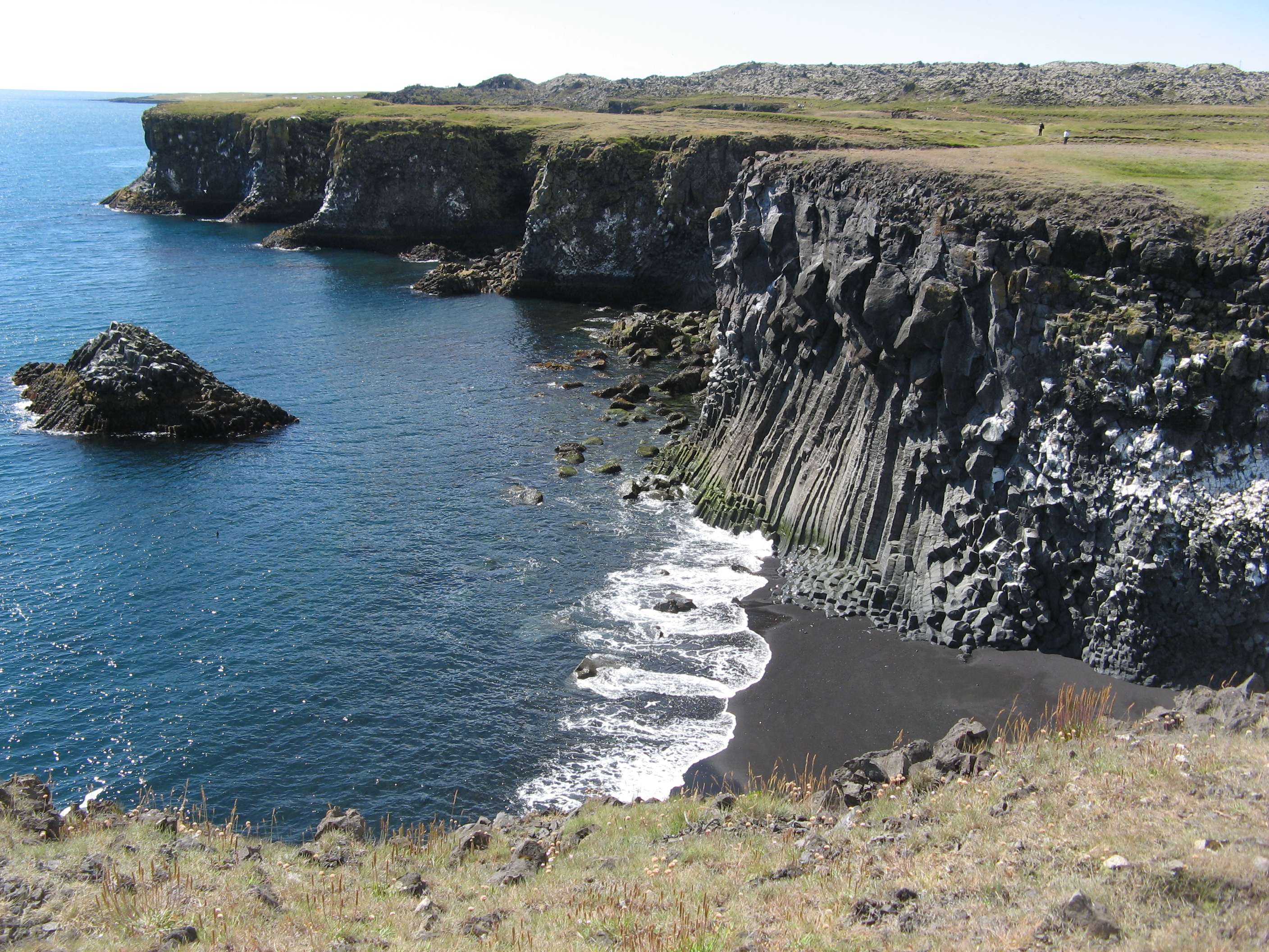 File:cliffs And Shoreline in