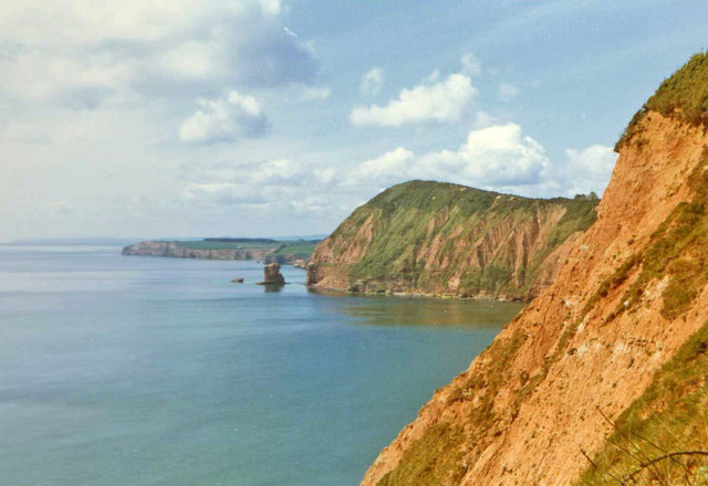 Cliffs at Peak Hill, Sidmouth, Devon - geograph.org.uk - 715047
